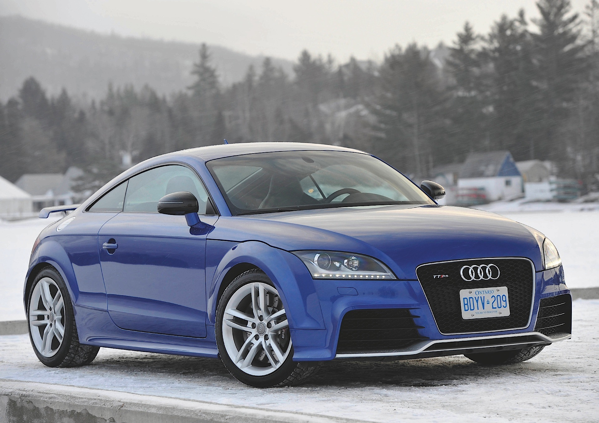 AUDI TT RS Coupe specs & photos - 2009, 2010, 2011, 2012 ...