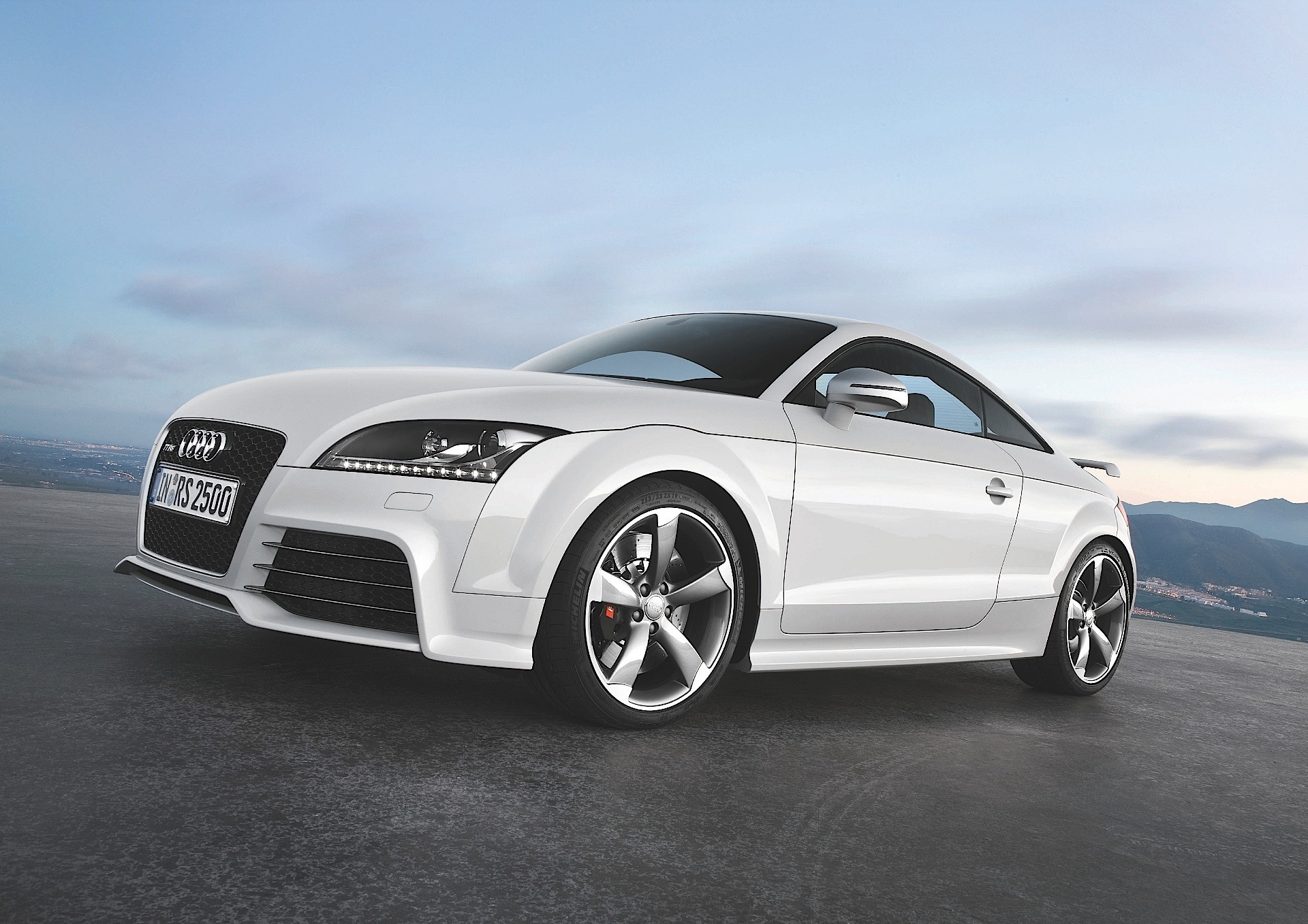 Audi Tt Rs Coupe Specs Amp Photos 2009 2010 2011 2012