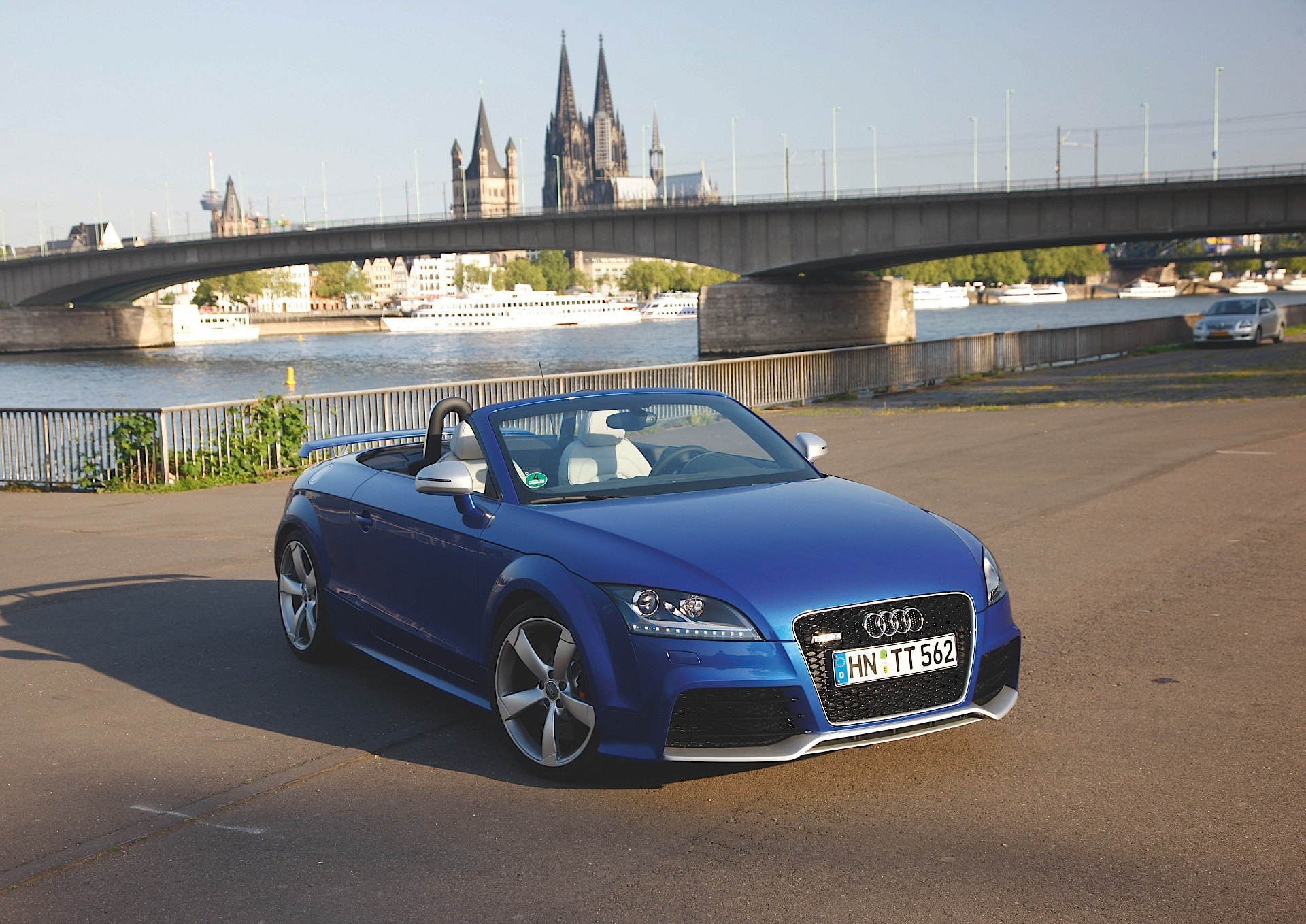 audi tt rs roadster specs 2009 2010 2011 2012 2013 2014 autoevolution. Black Bedroom Furniture Sets. Home Design Ideas
