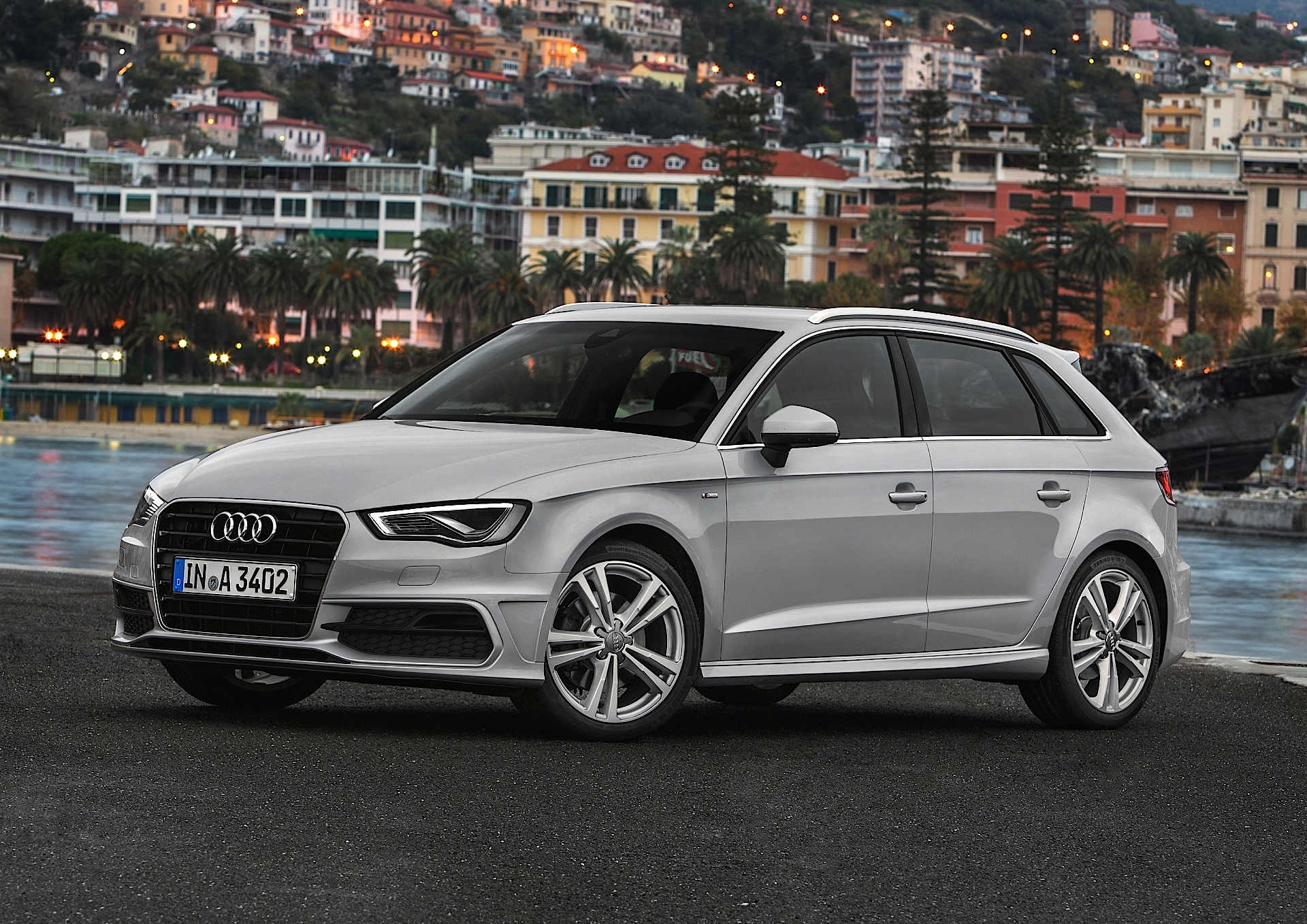 audi a3 sportback 5 doors specs photos 2012 2013 2014 2015 2016 2017 2018 2019. Black Bedroom Furniture Sets. Home Design Ideas