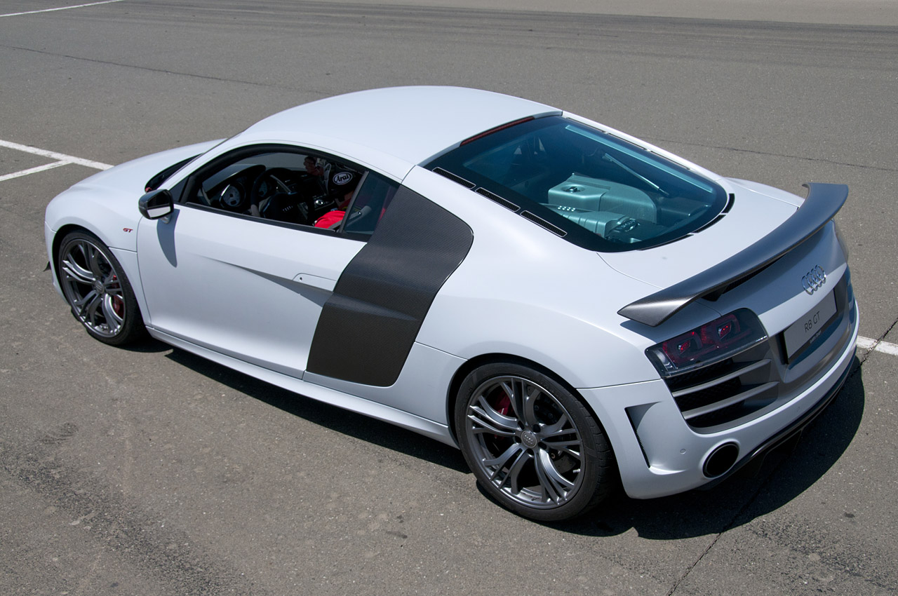 2014 audi r8 spyder top speed 12