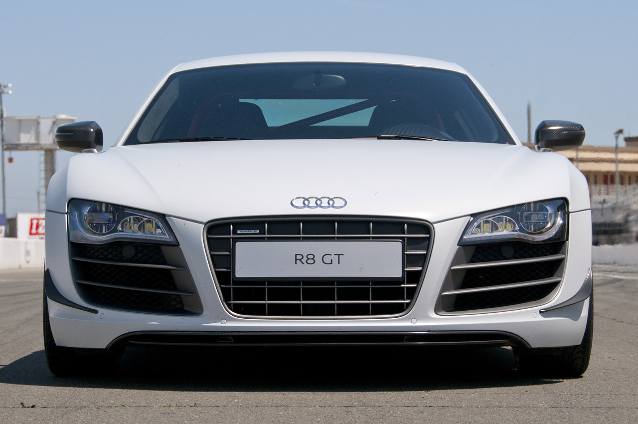 Audi r8 top speed 14