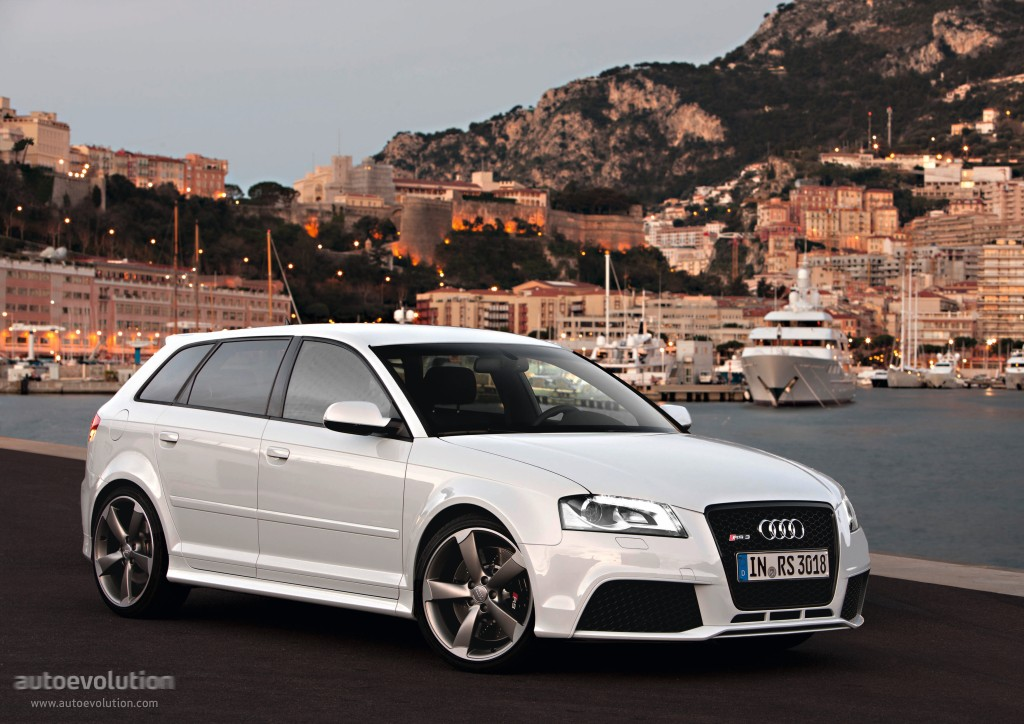 audi rs3 sportback 2010 2011 2012 autoevolution. Black Bedroom Furniture Sets. Home Design Ideas