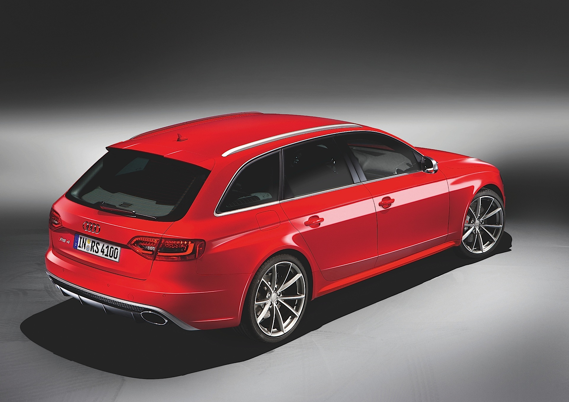 audi rs4 avant b8 specs 2012 2013 2014 2015 autoevolution. Black Bedroom Furniture Sets. Home Design Ideas