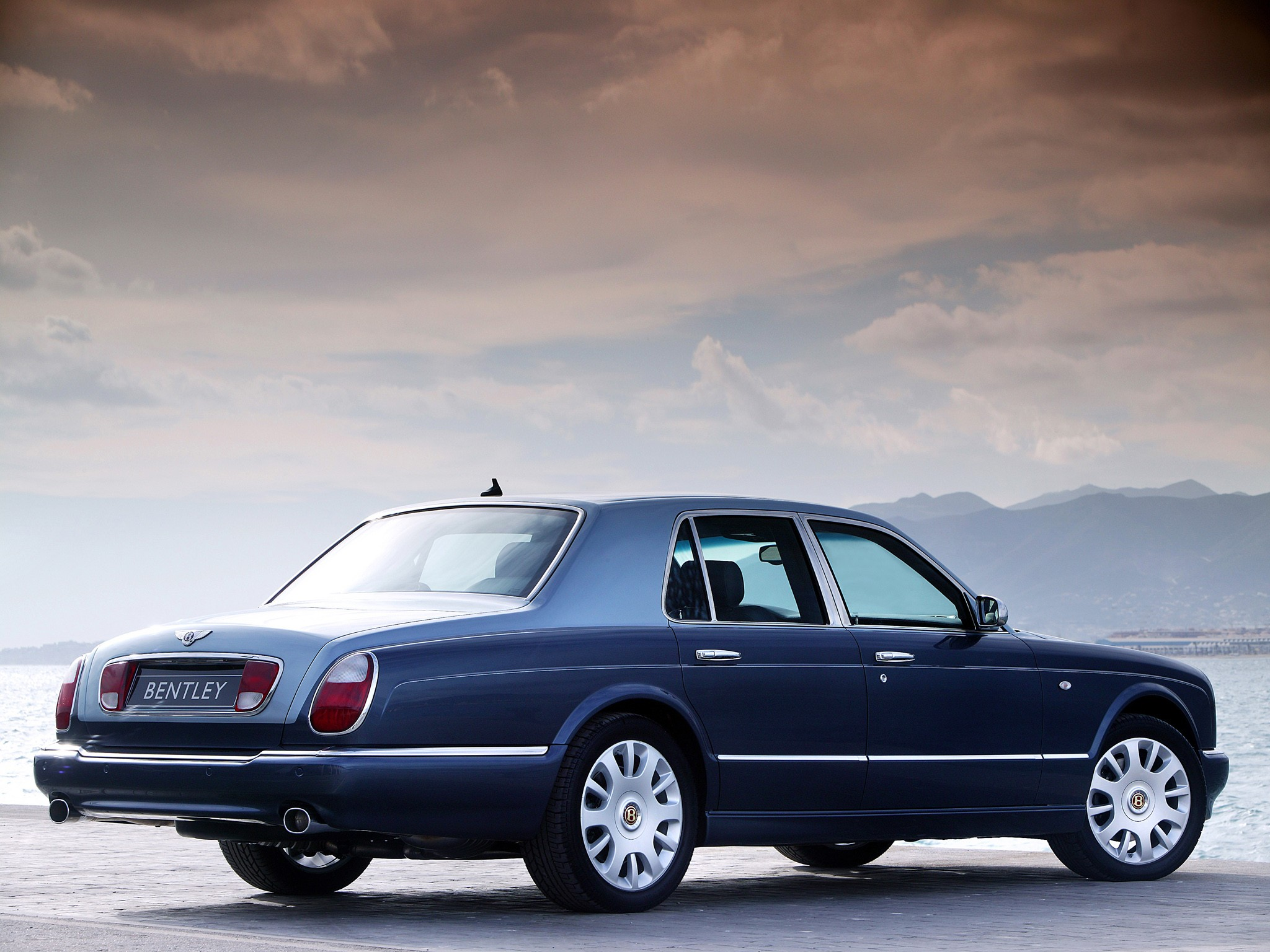Bentley Arnage R on 2005 Bentley Continental Gt