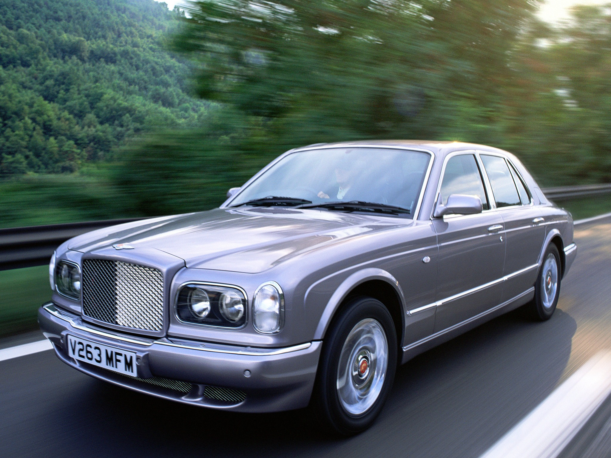 bentley arnage red label specs 1999 2000 2001 2002 autoevolution. Black Bedroom Furniture Sets. Home Design Ideas
