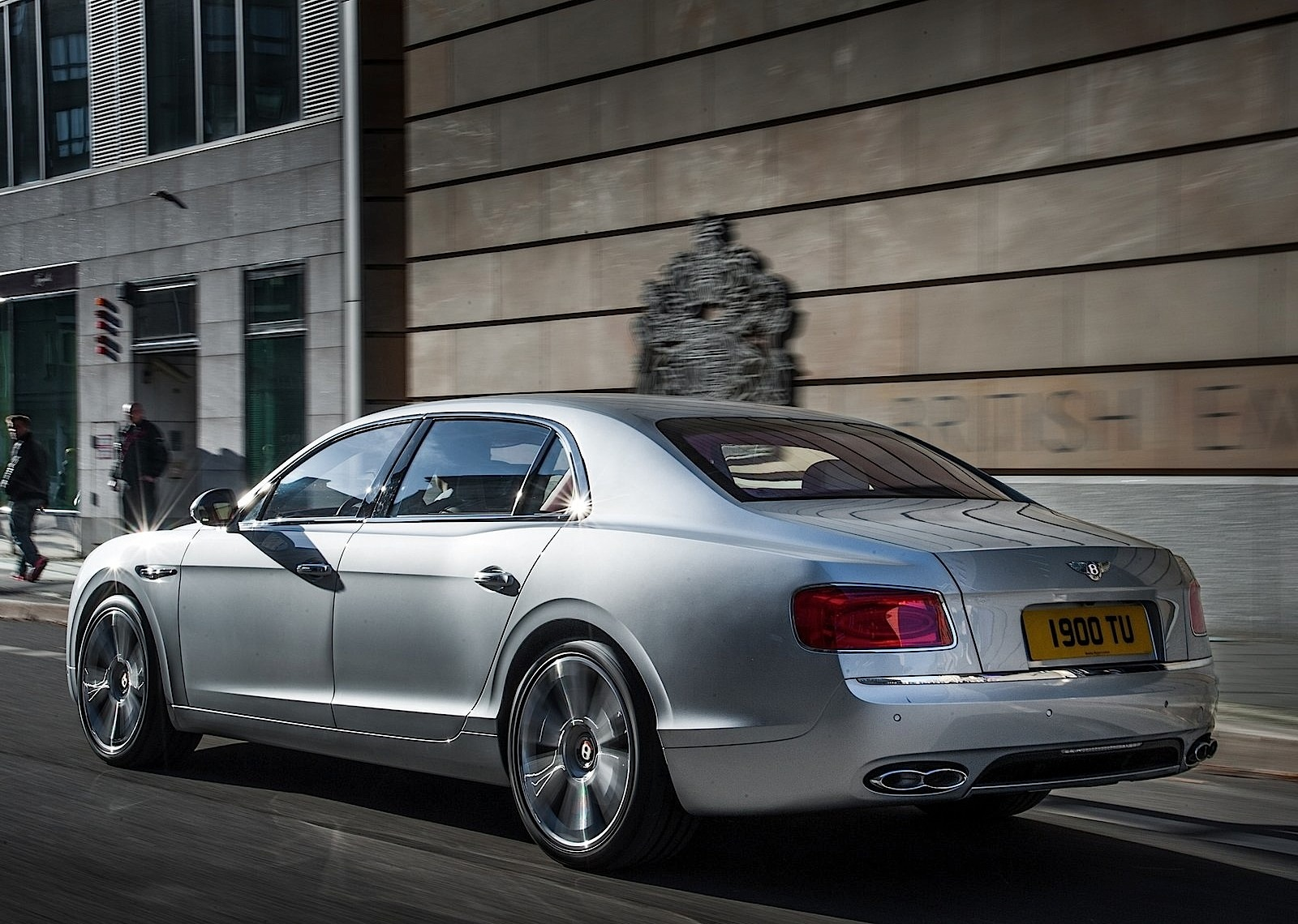 Bentley flying spur dimensions