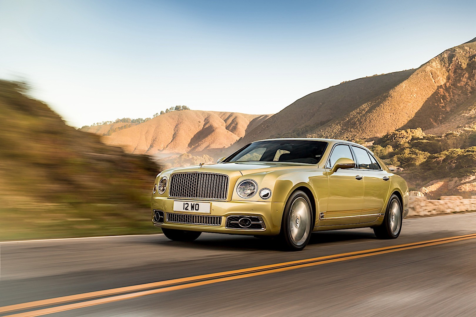 bentley mulsanne specs 2016 2017 2018 autoevolution. Black Bedroom Furniture Sets. Home Design Ideas