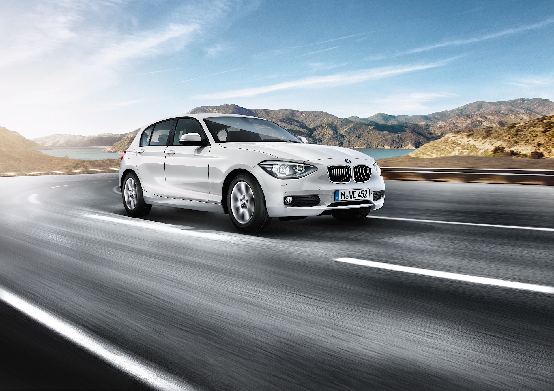 bmw 1 series f20 specs 2011 2012 2013 2014 2015 autoevolution. Black Bedroom Furniture Sets. Home Design Ideas