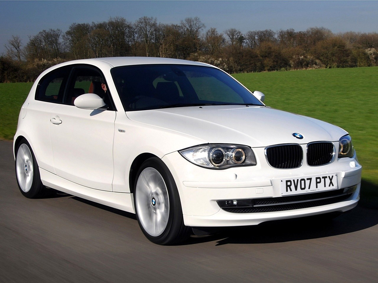 bmw 1 series 3 doors e81 specs 2007 2008 2009 2010. Black Bedroom Furniture Sets. Home Design Ideas