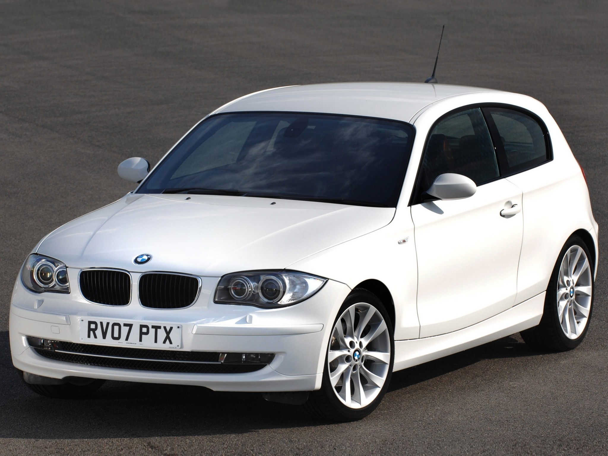 bmw 1 series 3 doors e81 specs photos 2007 2008. Black Bedroom Furniture Sets. Home Design Ideas