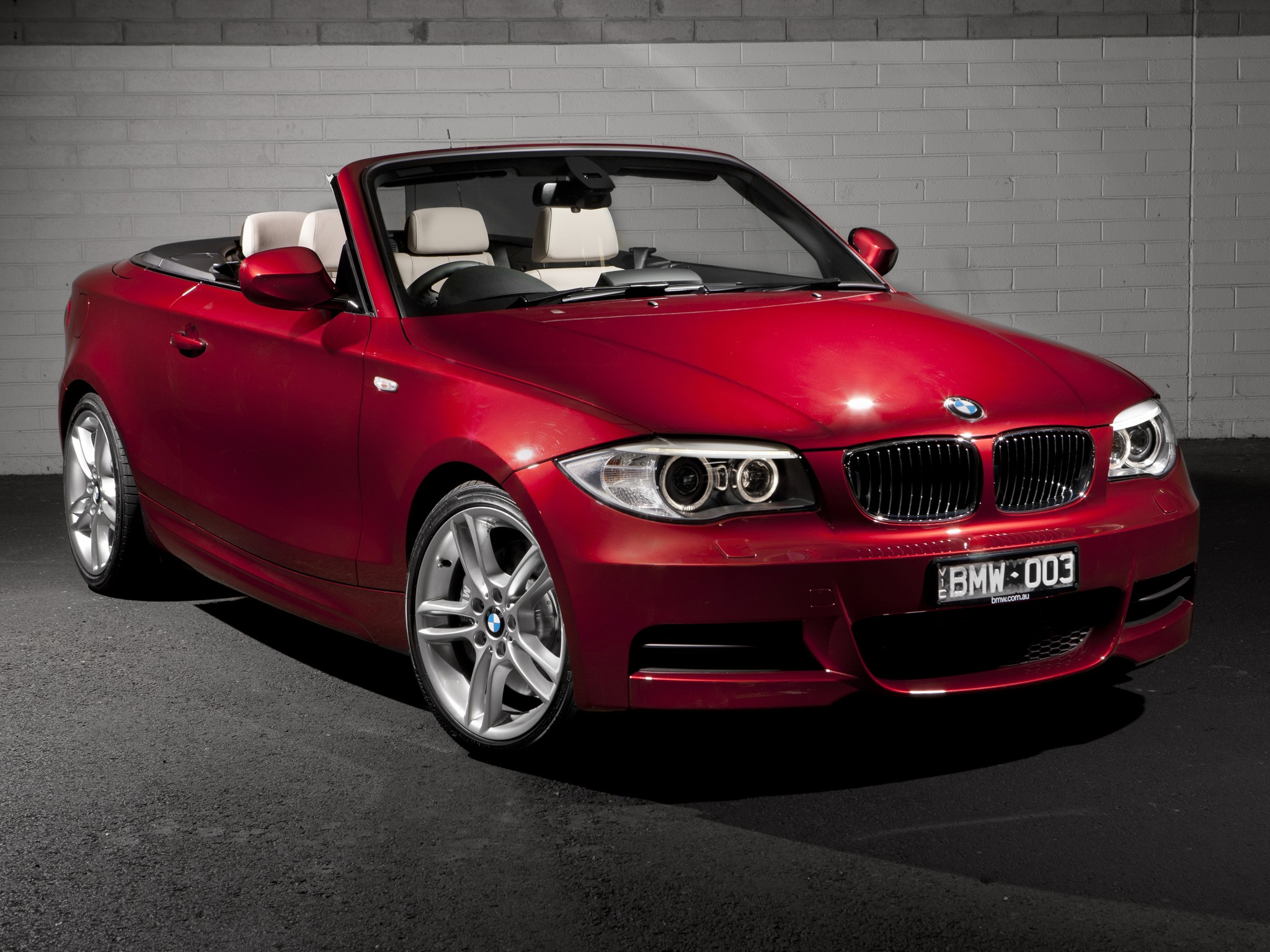 BMW 1 Series Cabriolet (E88) specs & photos - 2010, 2011, 2012, 2013 ...