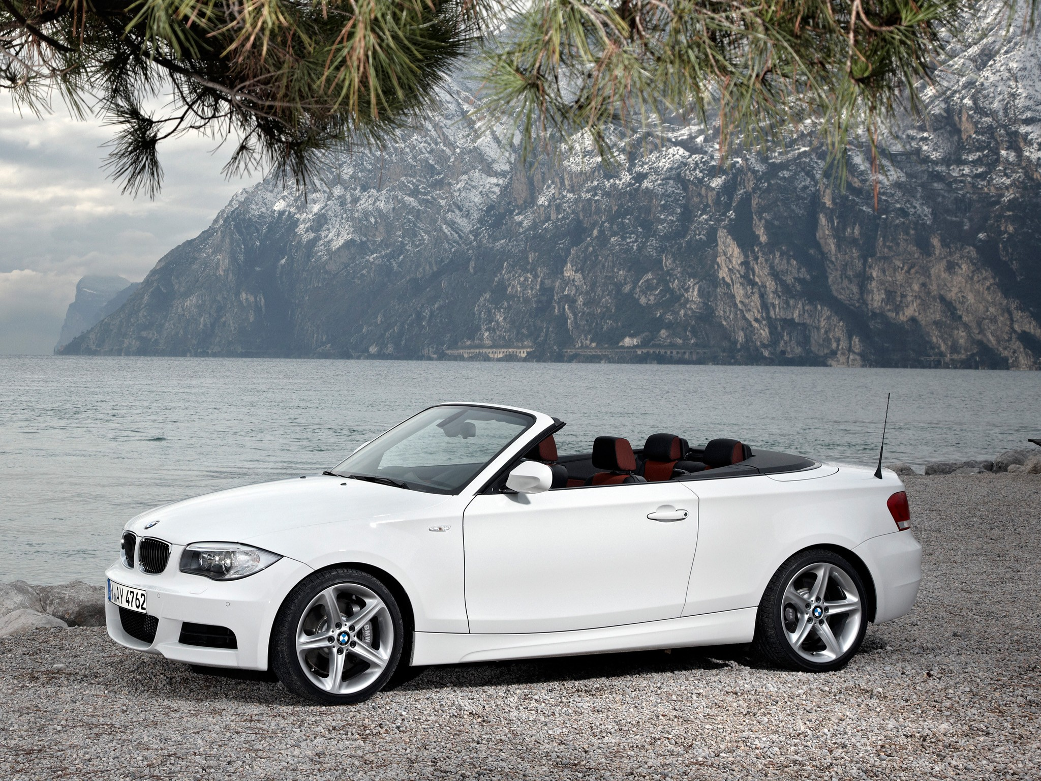 bmw 1 series cabriolet e88 specs photos 2010 2011. Black Bedroom Furniture Sets. Home Design Ideas