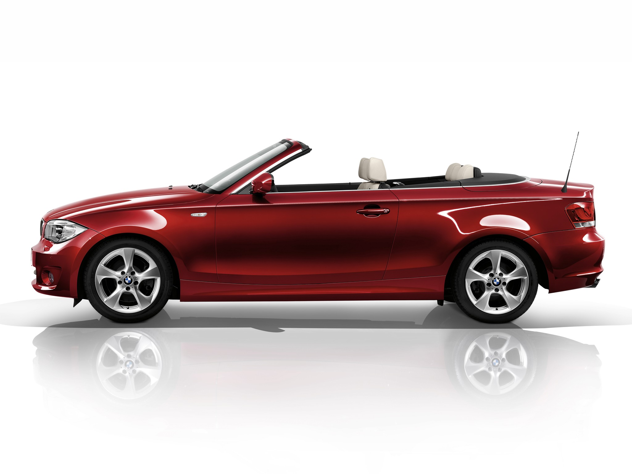 bmw 1 series cabriolet e88 specs 2010 2011 2012. Black Bedroom Furniture Sets. Home Design Ideas