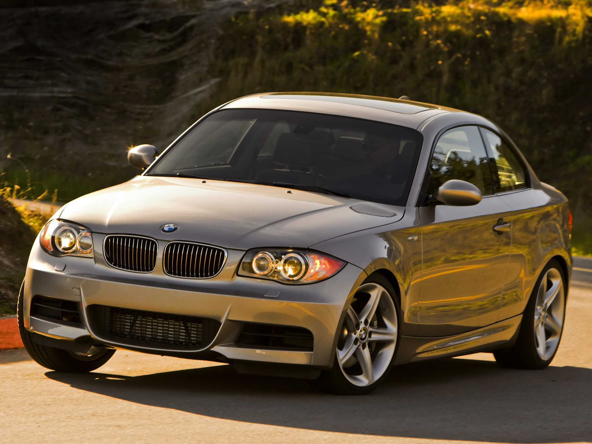 bmw 1 series coupe e82 specs 2007 2008 2009 2010. Black Bedroom Furniture Sets. Home Design Ideas