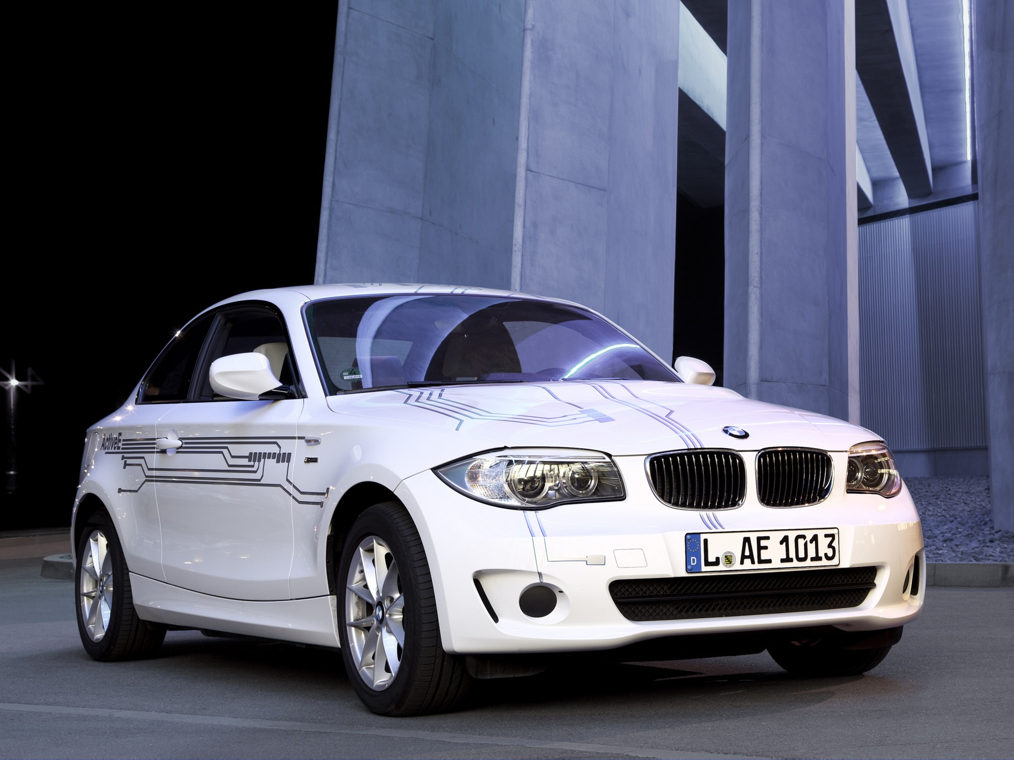 bmw 1 series coupe e82 2010 2011 2012 2013 autoevolution. Black Bedroom Furniture Sets. Home Design Ideas