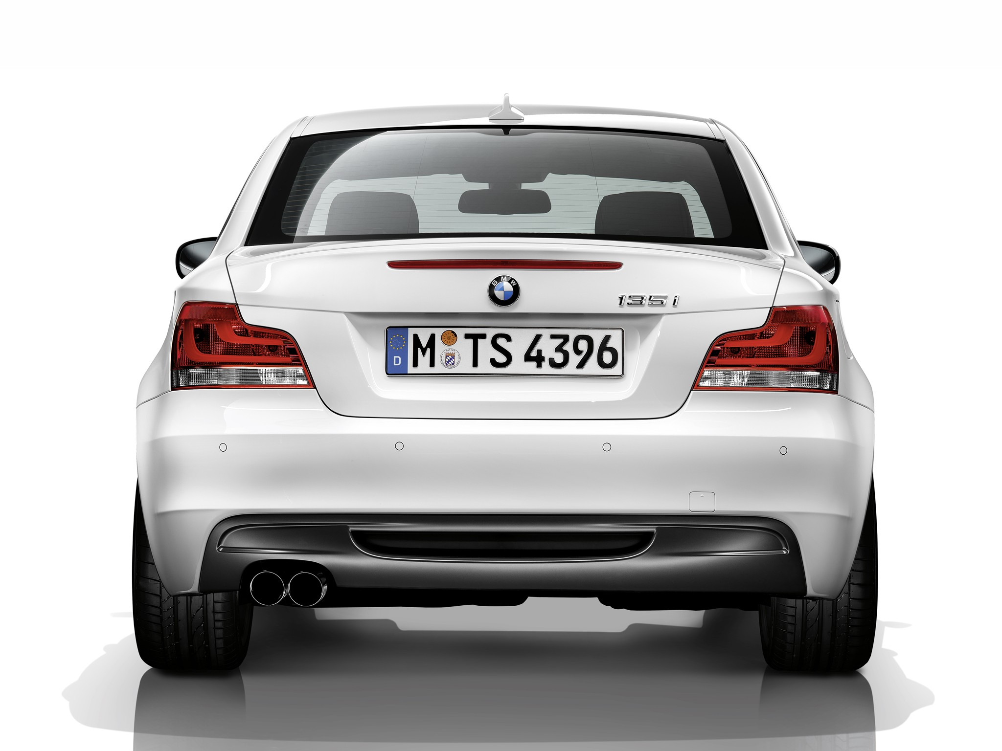 BMW 1 Series Coupe E82 specs  2010 2011 2012 2013