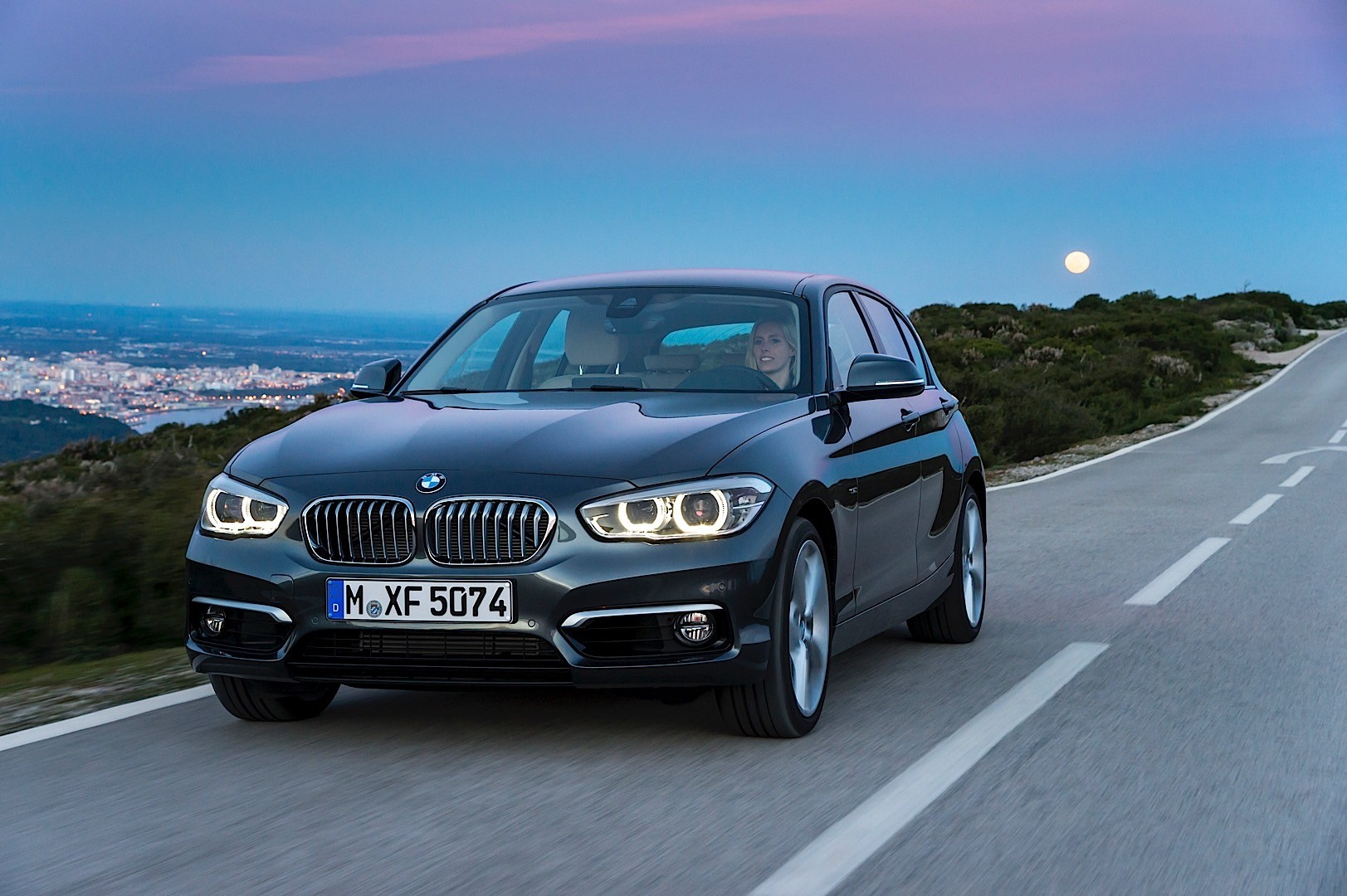 bmw 1 series lci f20 specs 2015 2016 2017 autoevolution. Black Bedroom Furniture Sets. Home Design Ideas