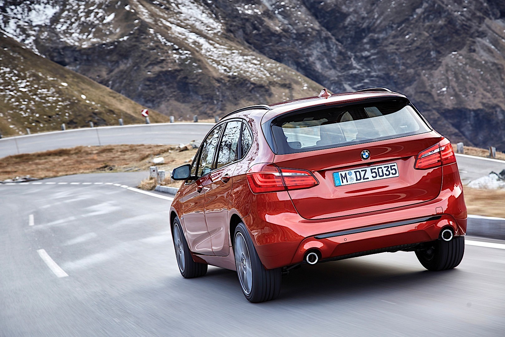 BMW 2 Series Active Tourer (F45) specs & photos - 2018 ...