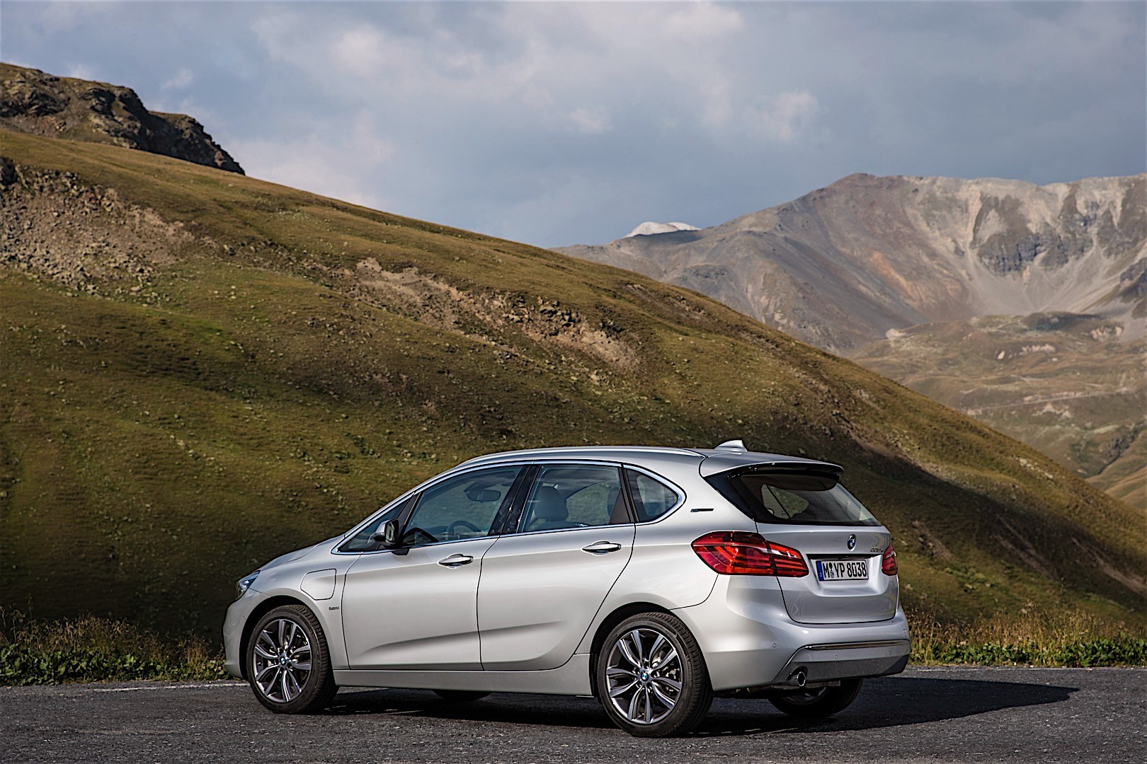 bmw 2 series active tourer f45 specs photos 2014. Black Bedroom Furniture Sets. Home Design Ideas