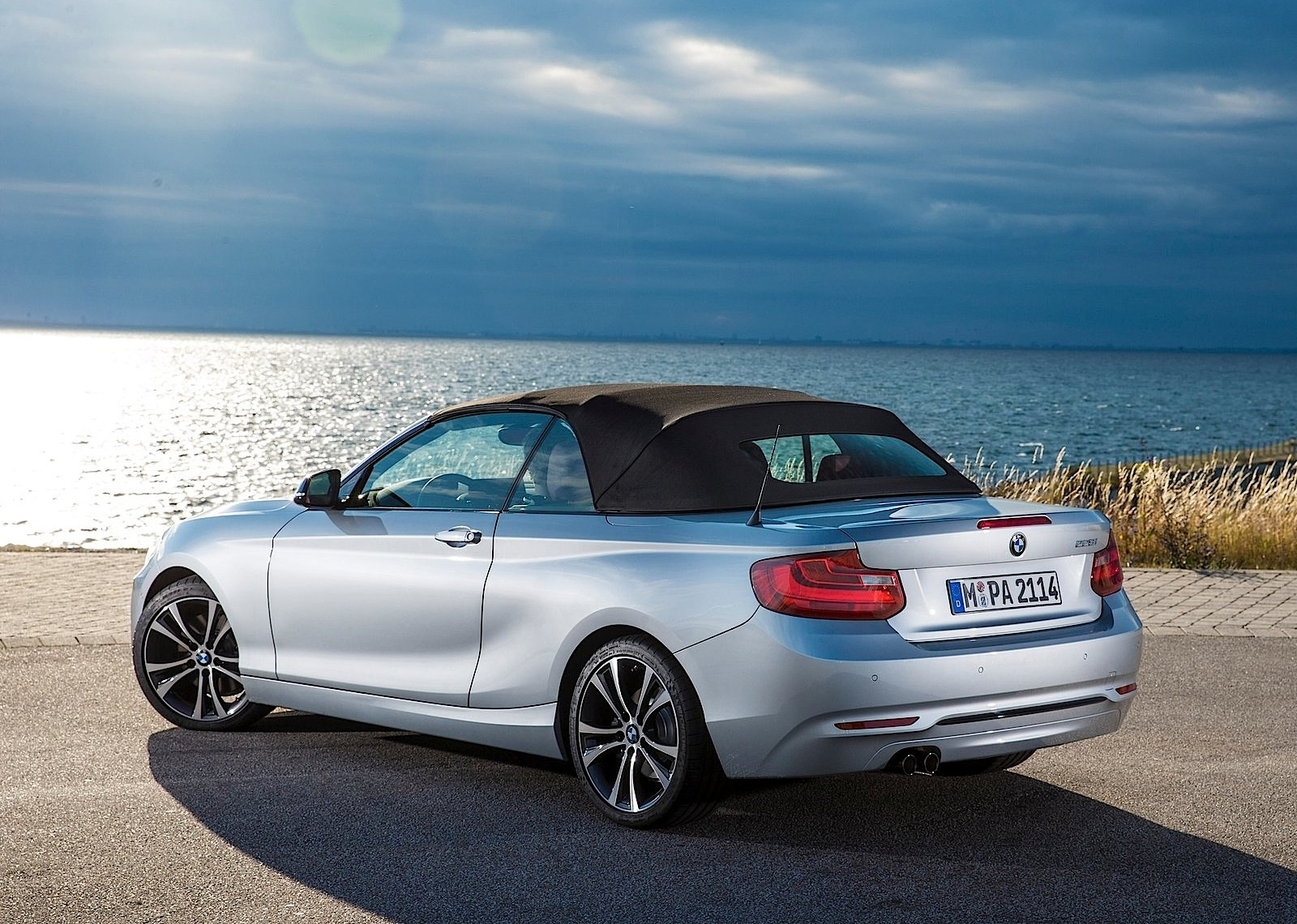 bmw 2 series convertible specs 2014 2015 2016 2017 autoevolution. Black Bedroom Furniture Sets. Home Design Ideas