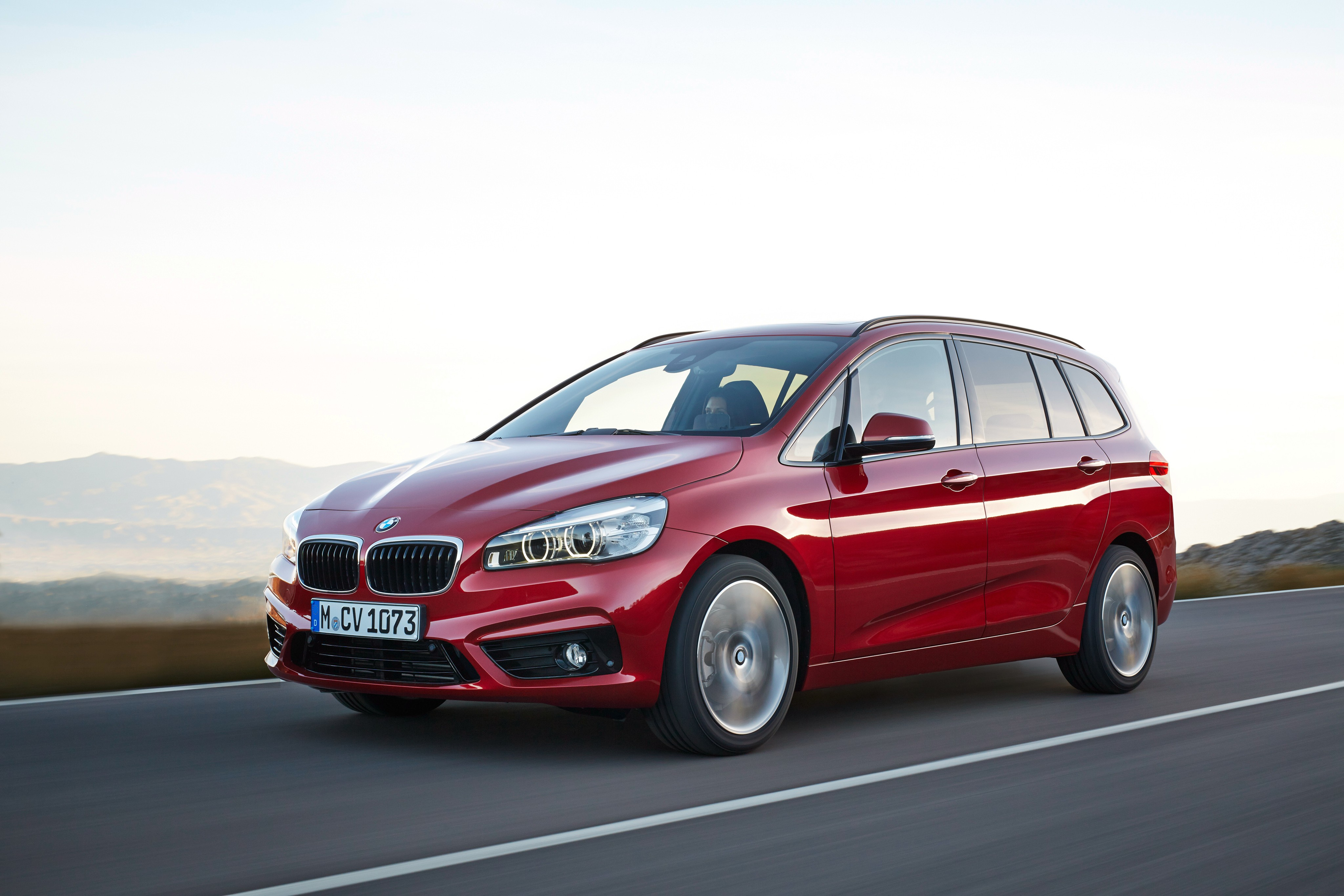 bmw 2 series gran tourer f45 specs photos 2015 2016. Black Bedroom Furniture Sets. Home Design Ideas