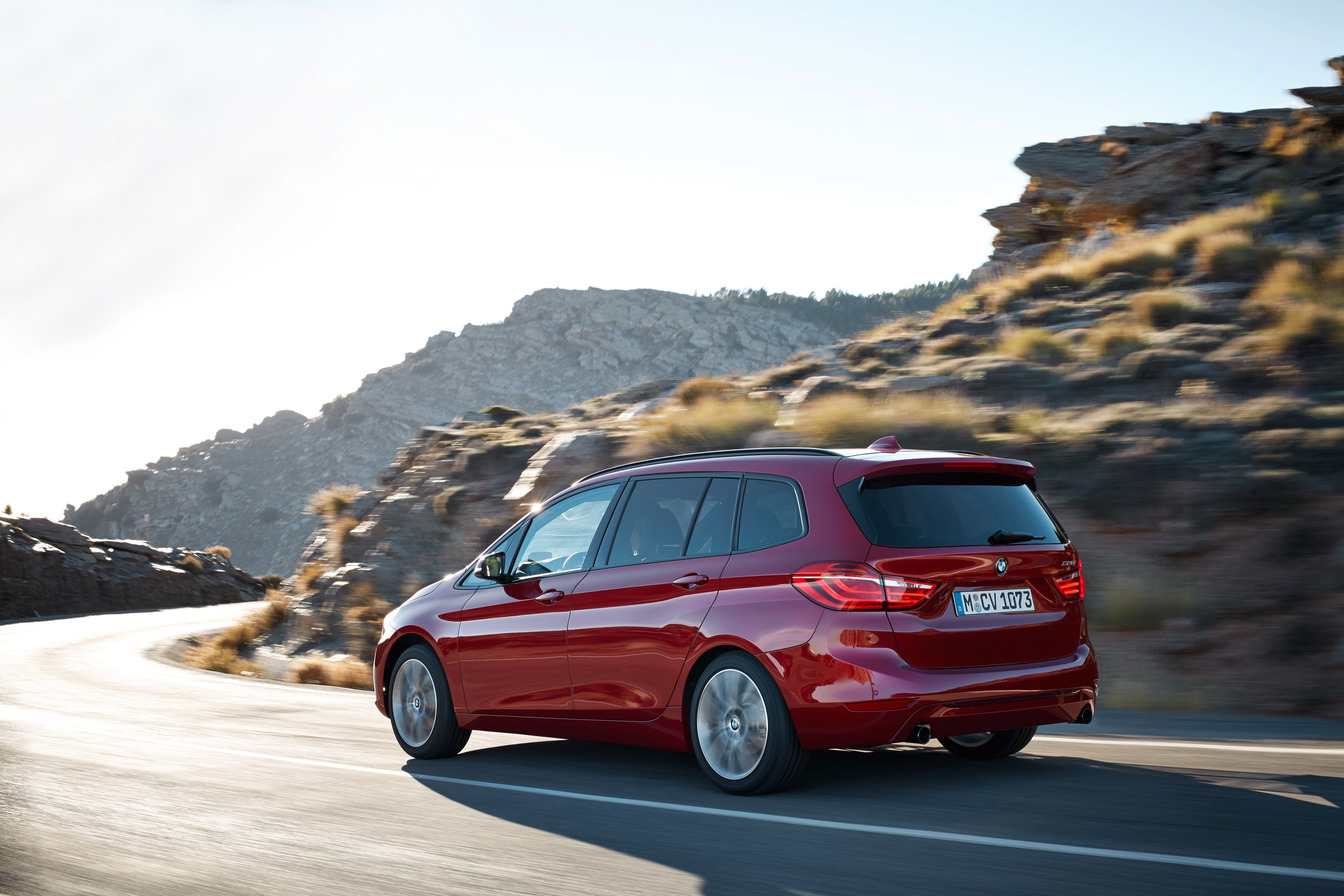 BMW 2 Series Gran Tourer (F45) specs & photos - 2015, 2016 ...