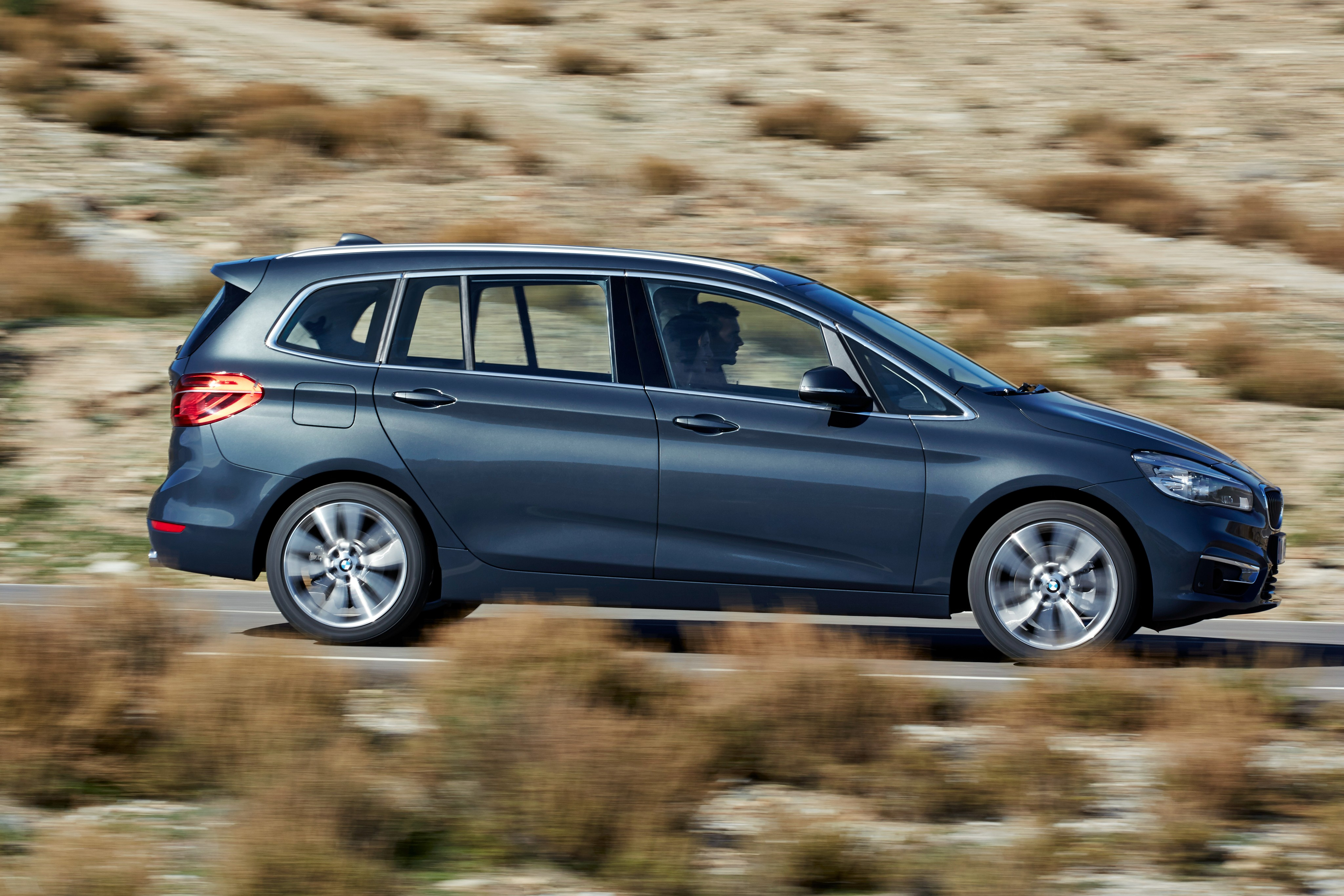 bmw 2 series gran tourer f45 specs 2015 2016 2017 2018 autoevolution. Black Bedroom Furniture Sets. Home Design Ideas