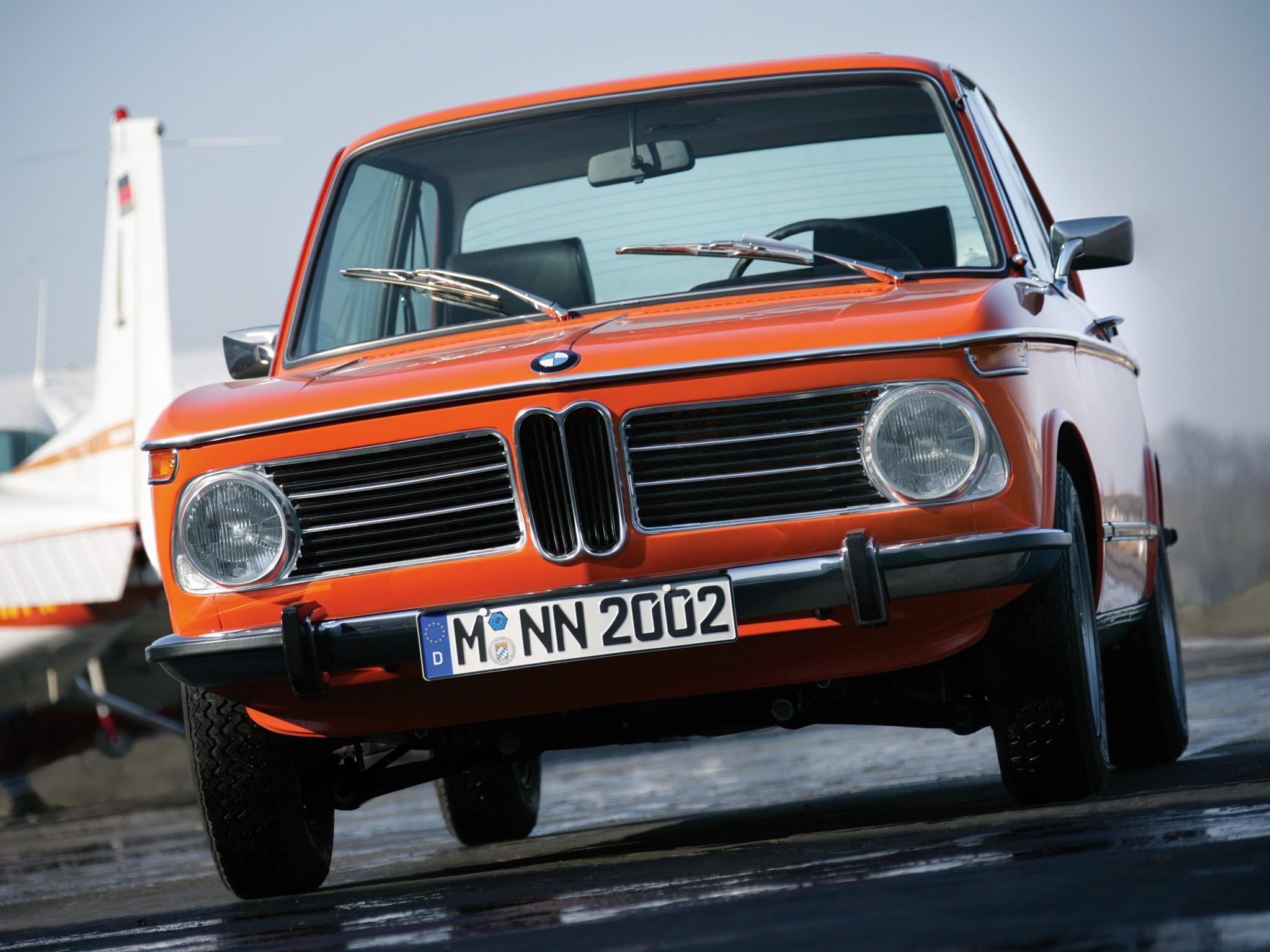 Bmw 2002 Specs Amp Photos 1968 1969 1970 1971 1972 1973 1974 1975 Autoevolution