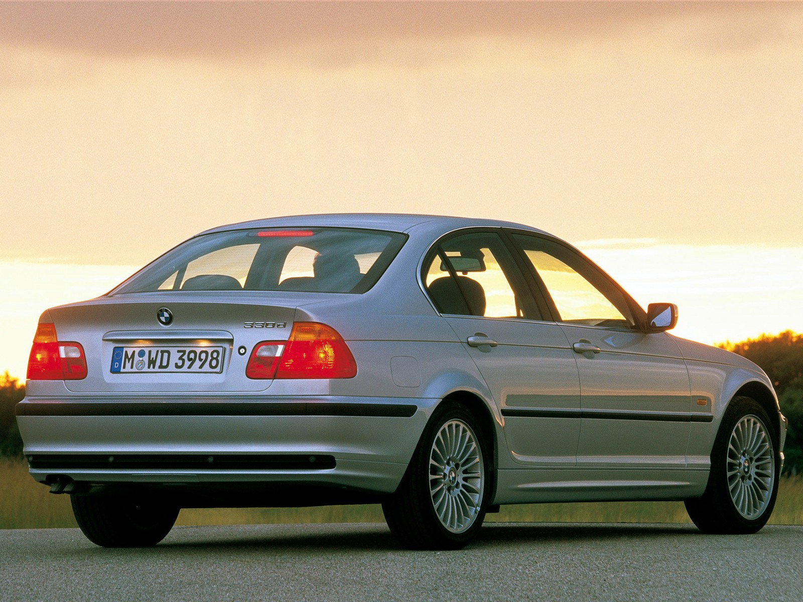 BMW 3 Series (E46) specs & photos - 1998, 1999, 2000, 2001 ...