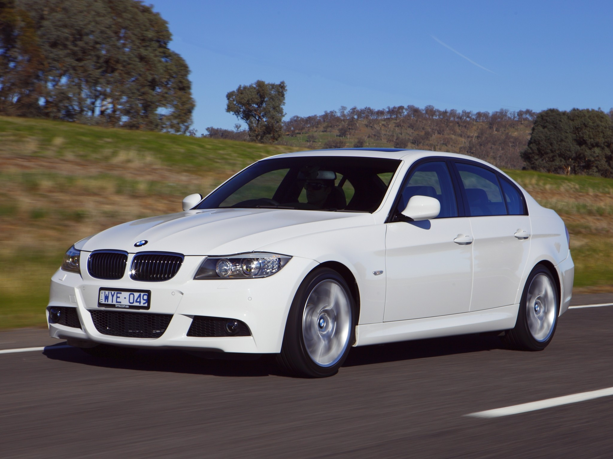 bmw 3 series e90 specs photos 2008 2009 2010 2011 autoevolution. Black Bedroom Furniture Sets. Home Design Ideas