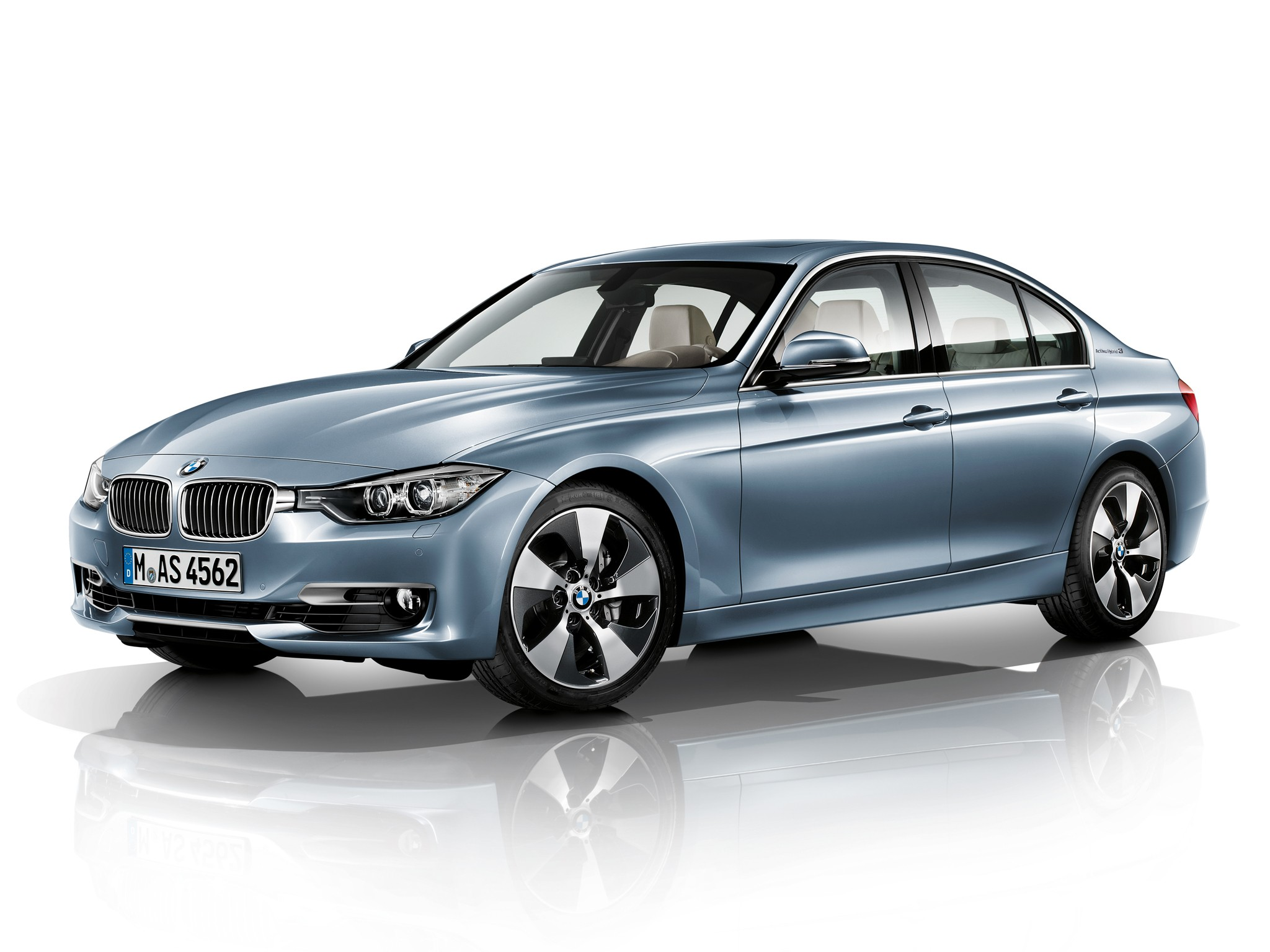 bmw 3 series f30 specs photos 2012 2013 2014 2015 2016 autoevolution. Black Bedroom Furniture Sets. Home Design Ideas