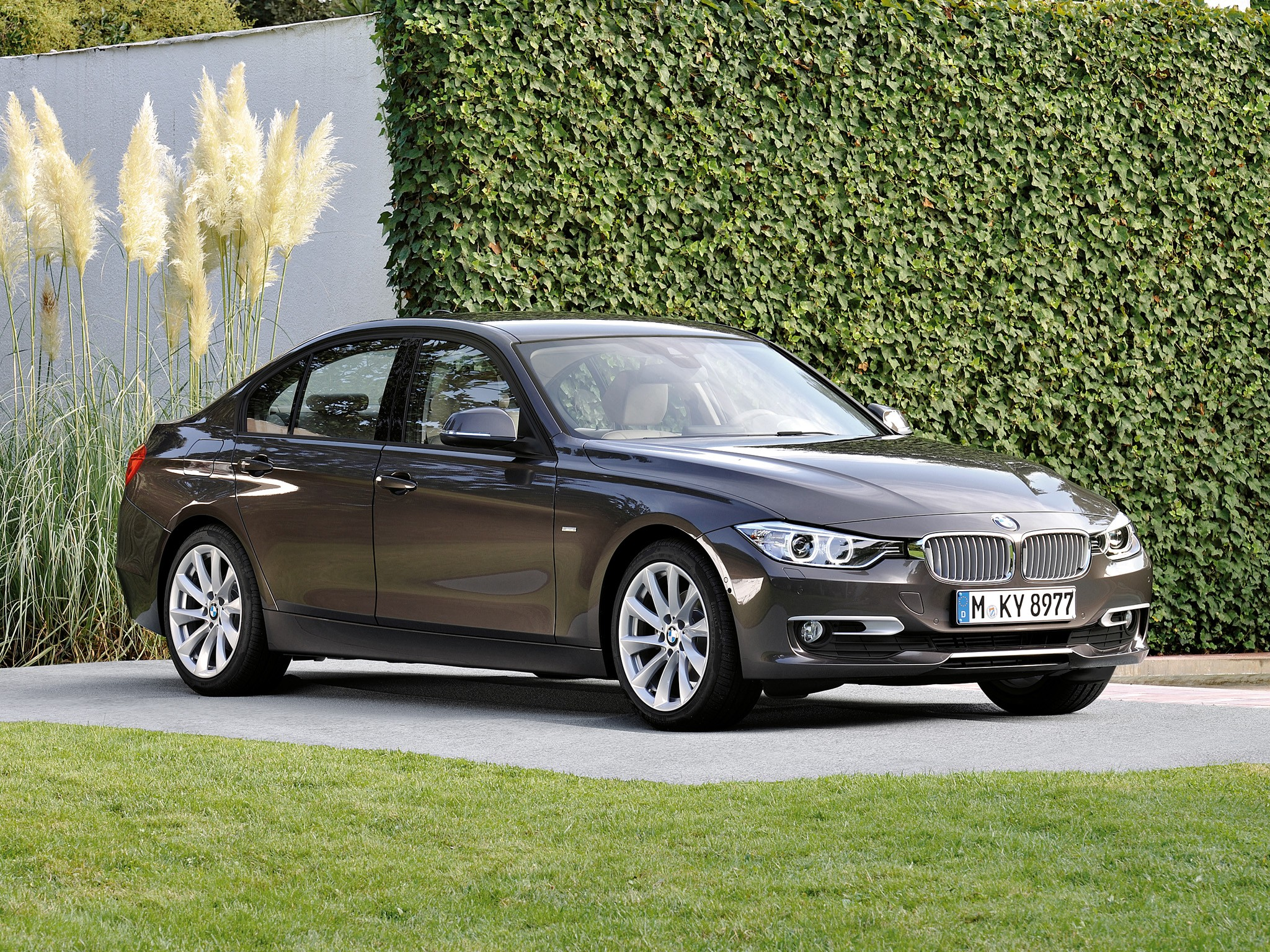 bmw 3 series f30 specs photos 2012 2013 2014 2015. Black Bedroom Furniture Sets. Home Design Ideas