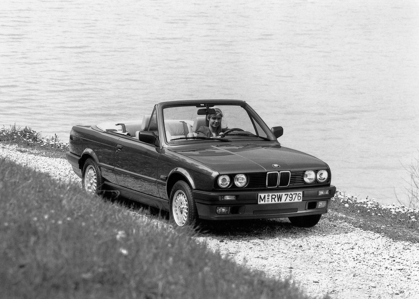 bmw 3 series cabriolet e30 specs photos 1986 1987. Black Bedroom Furniture Sets. Home Design Ideas