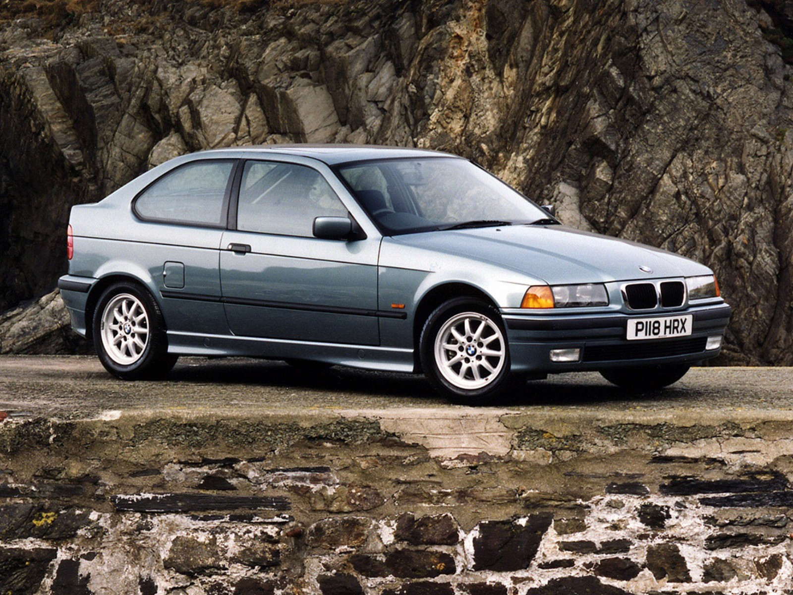 bmw 3 series compact e36 specs photos 1994 1995. Black Bedroom Furniture Sets. Home Design Ideas