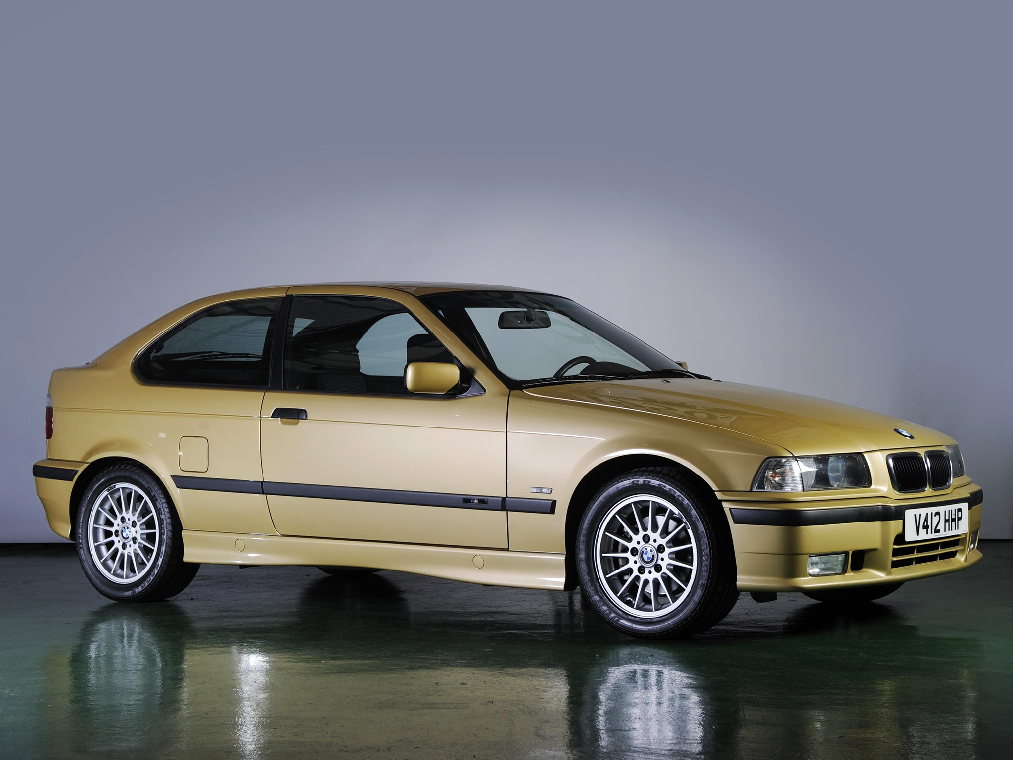 Bmw 3 Series Compact E36 Specs Amp Photos 1994 1995 1996 1997 1998 1999 2000 Autoevolution
