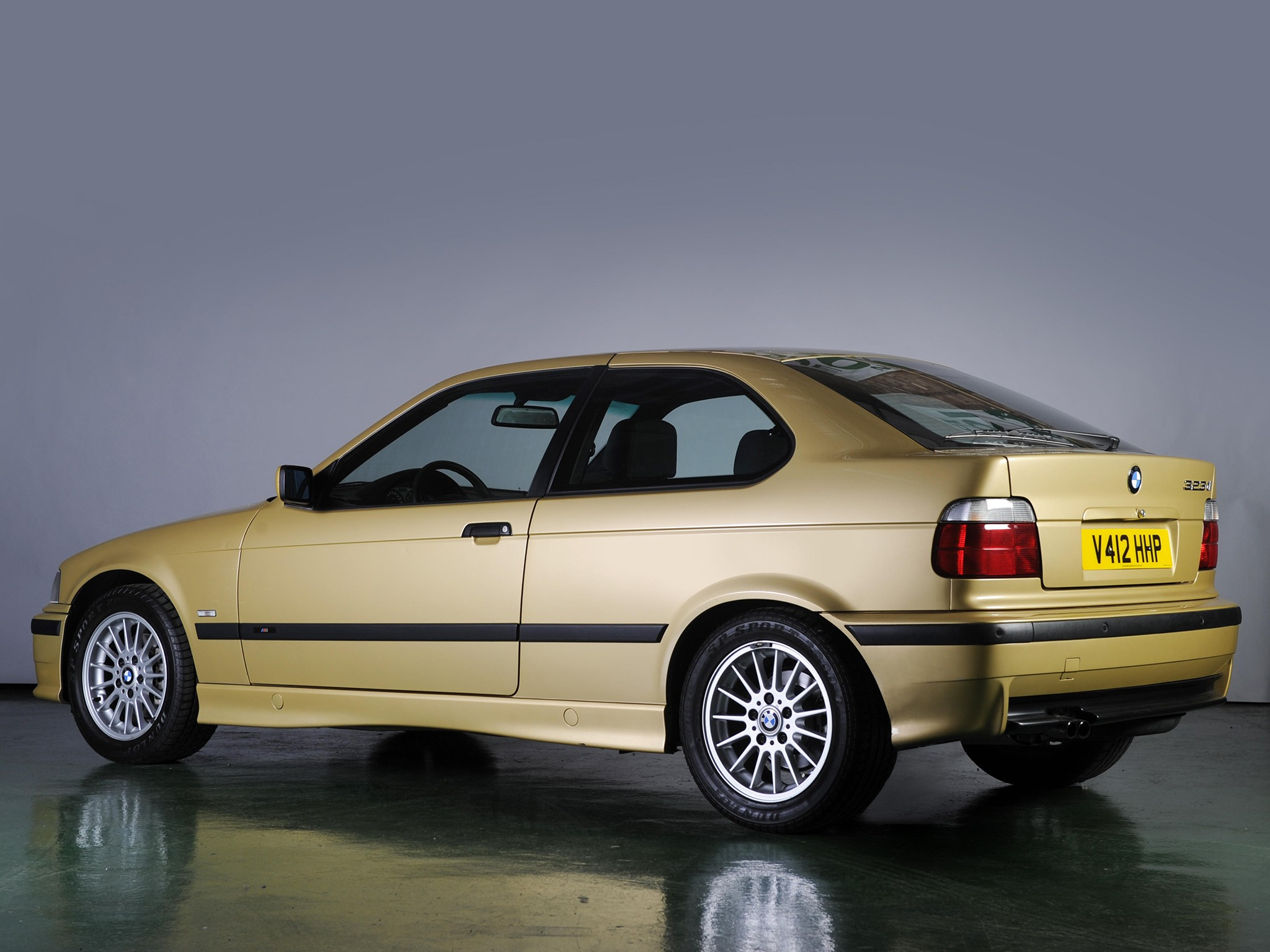 Bmw 3 Series Compact E36 Specs Amp Photos 1994 1995