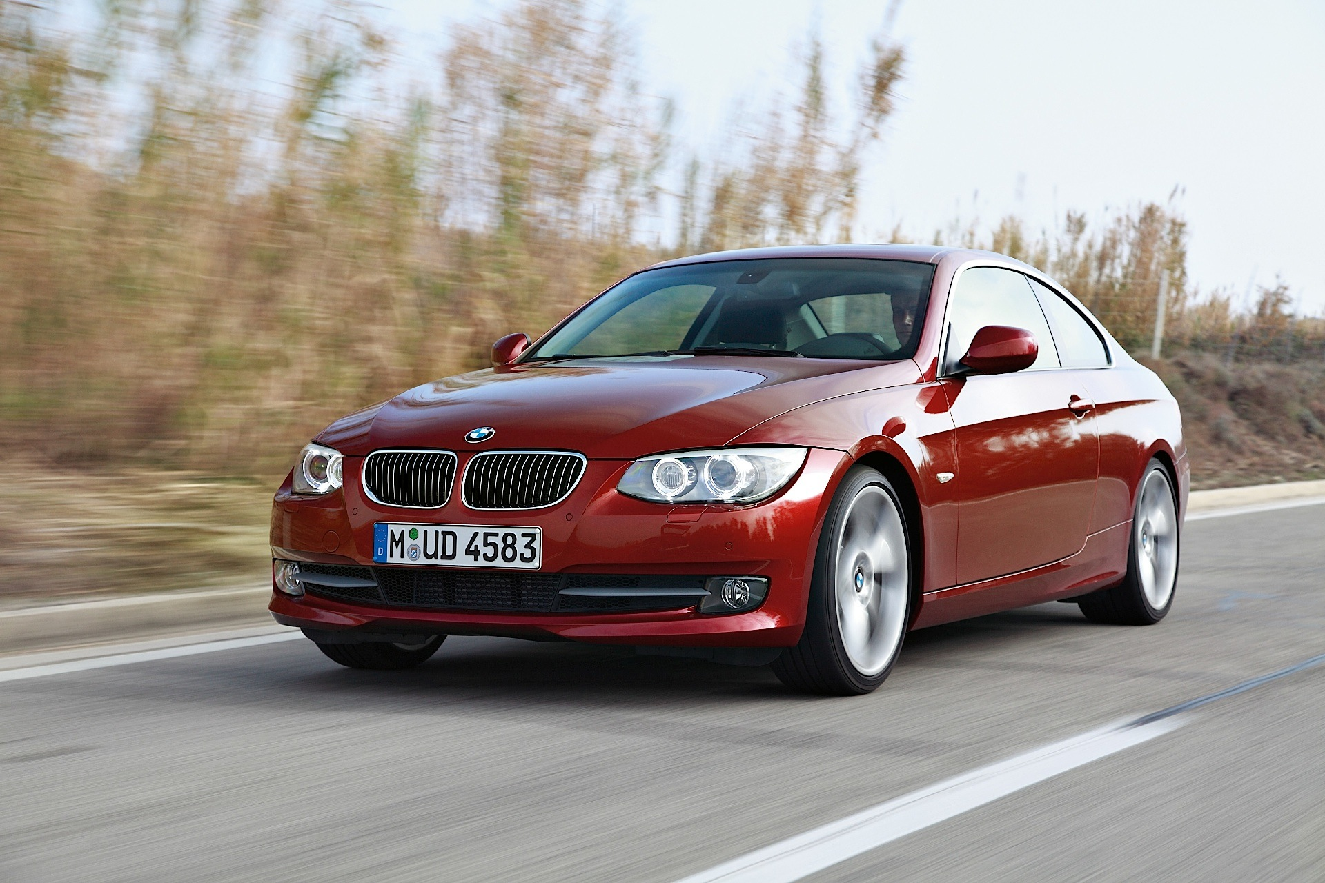 bmw 3 series coupe e92 specs 2010 2011 2012 2013. Black Bedroom Furniture Sets. Home Design Ideas