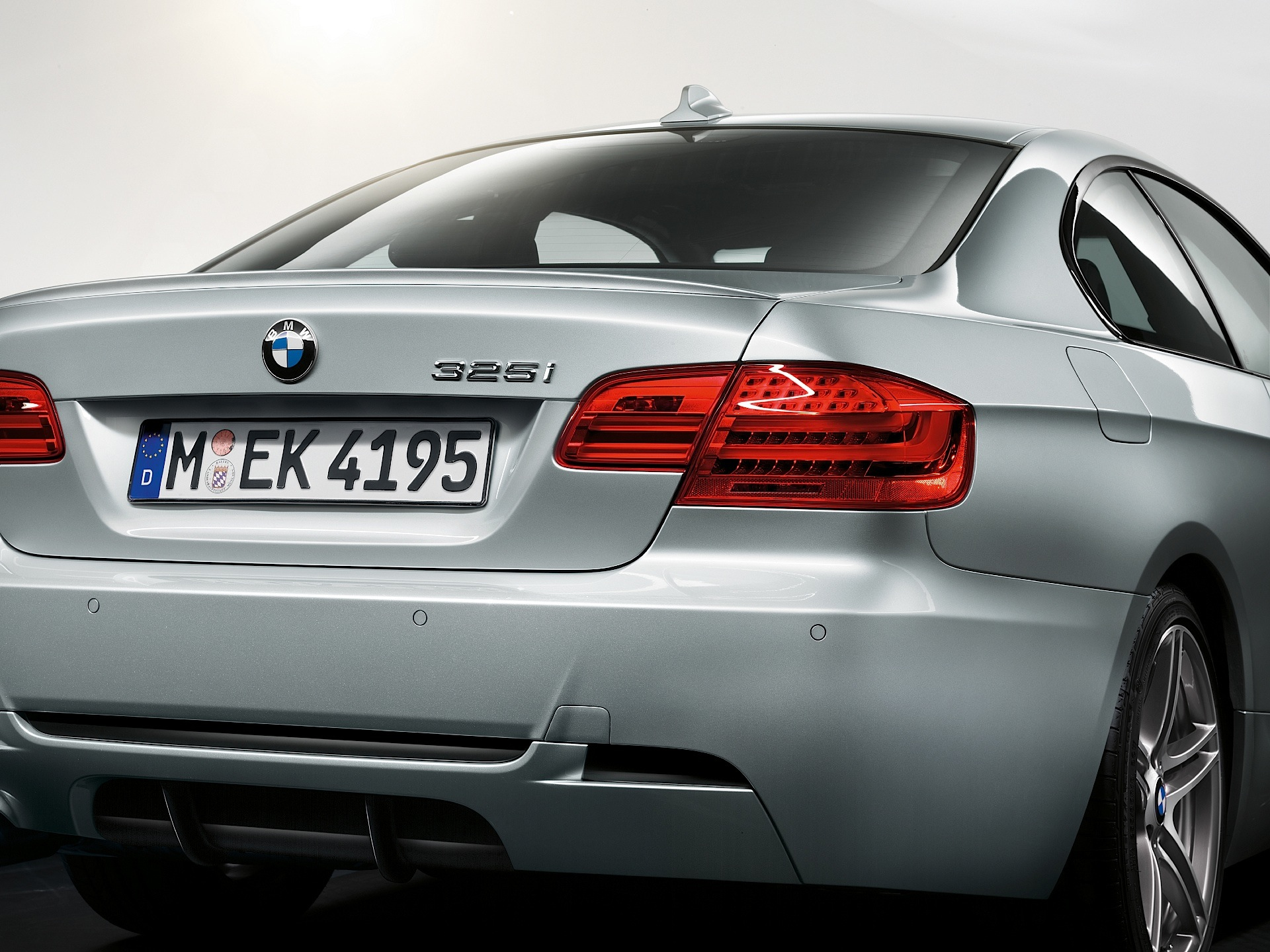 BMW Series Coupe E Specs - Bmw 325i 2011