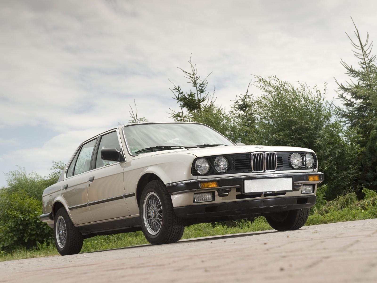 Bmw 3 series sedan e30 specs 1982 1983 1984 1985 1986 bmw 3 series sedan e30 1982 1992 sciox Choice Image