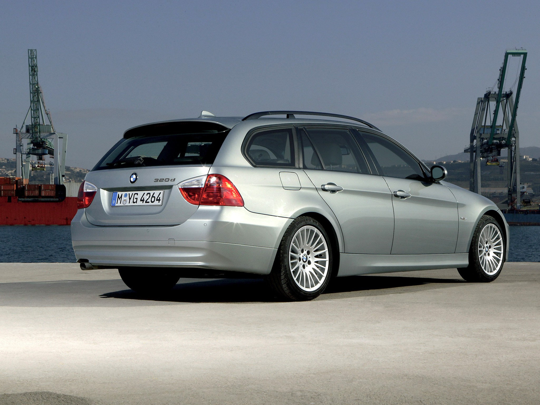 bmw e91 touring series 2006 2005 320d 2008 wallpapers 335i autoevolution 2007 2048 1536 cars