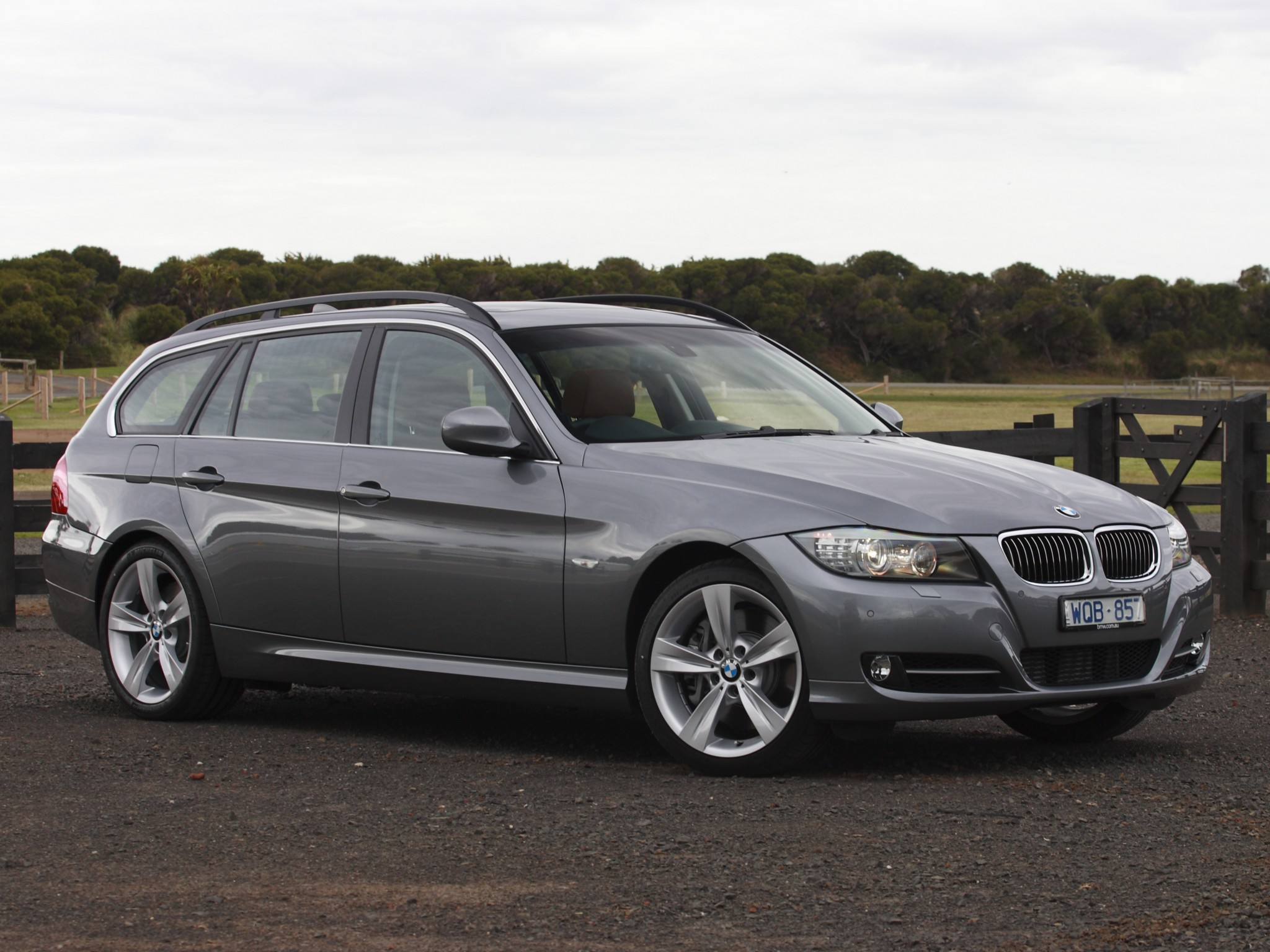 bmw 3 series touring e91 specs 2008 2009 2010 2011 2012 autoevolution. Black Bedroom Furniture Sets. Home Design Ideas