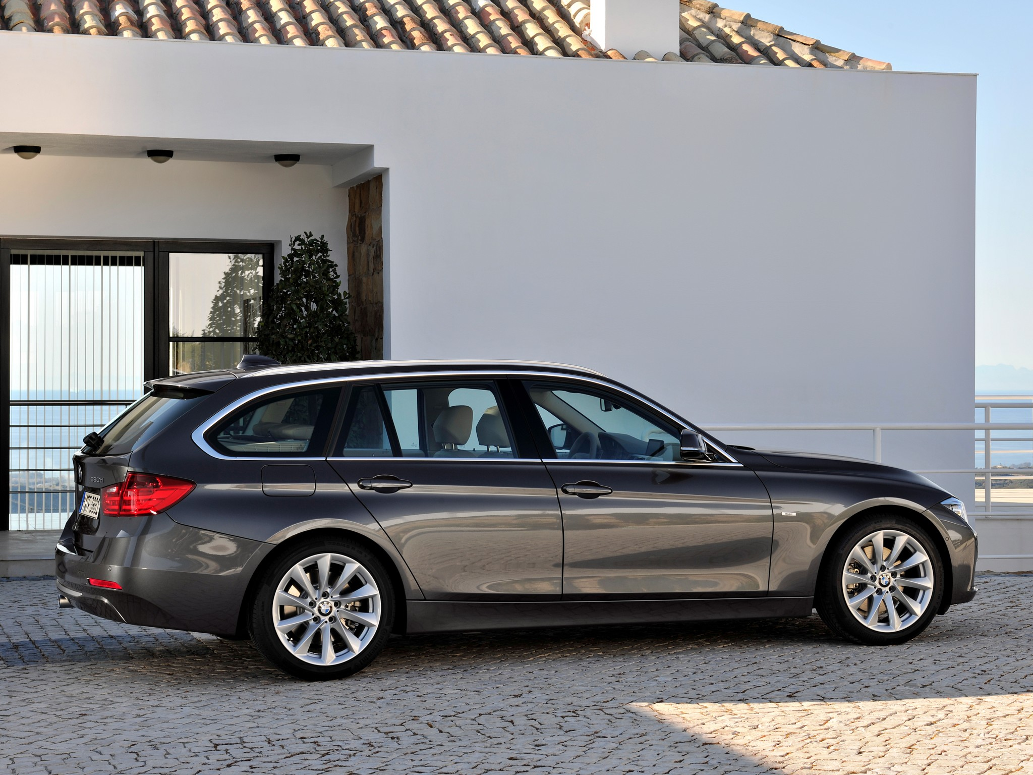 bmw 3 series touring f31 specs photos 2012 2013. Black Bedroom Furniture Sets. Home Design Ideas