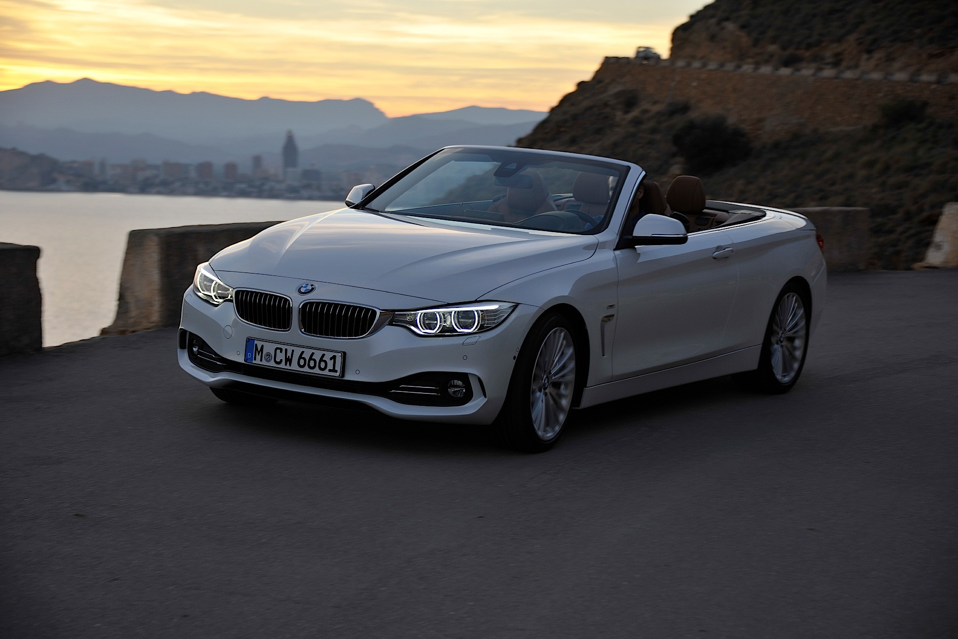 bmw 4 series cabrio specs 2014 2015 2016 2017 2018 autoevolution. Black Bedroom Furniture Sets. Home Design Ideas