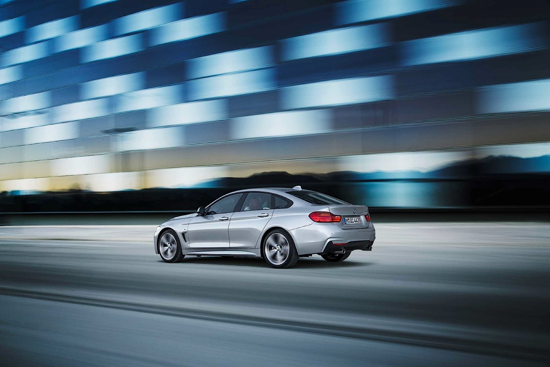 BMW 4 Series Gran Coupe specs & photos - 2014, 2015, 2016 ...