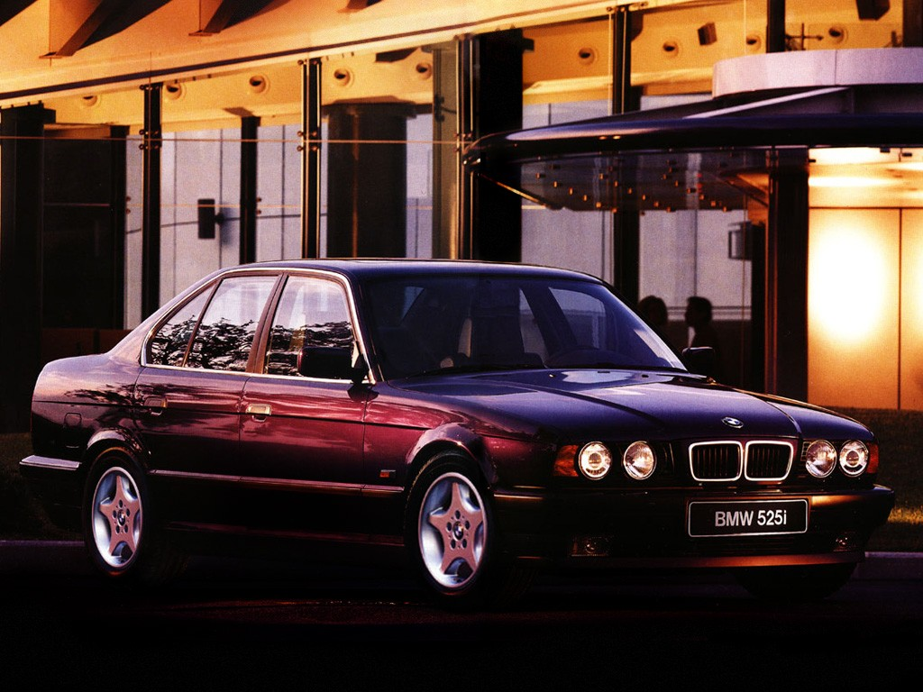 bmw 5 series e34 1988 1989 1990 1991 1992 1993 1994 1995 autoevolution. Black Bedroom Furniture Sets. Home Design Ideas