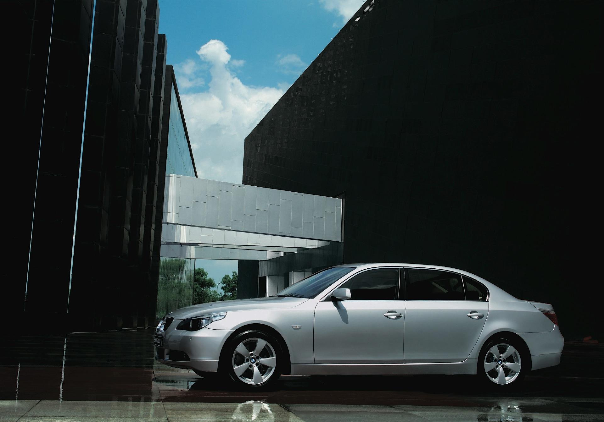 ... BMW 5 Series (E60) (2007 - 2009) ...