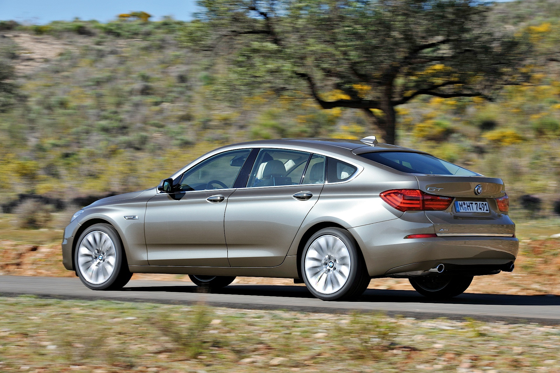 bmw 5 series gran turismo lci specs photos 2013 2014 2015 2016 2017 2018 2019. Black Bedroom Furniture Sets. Home Design Ideas
