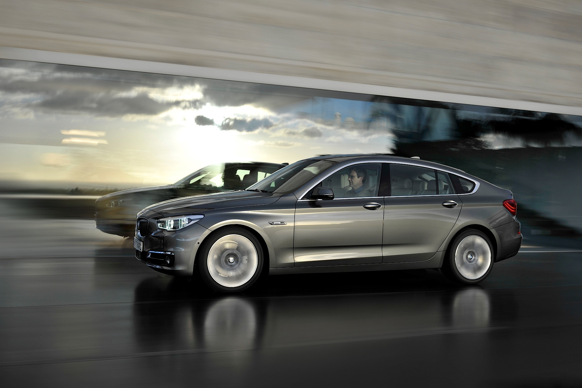 bmw 5 series gran turismo lci specs photos 2013 2014. Black Bedroom Furniture Sets. Home Design Ideas