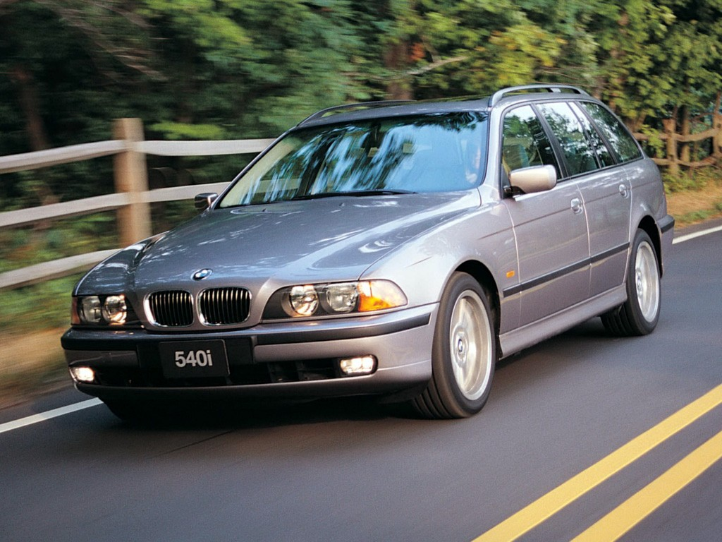 BMW 5 E39 station wagon: technical specifications, interior 59